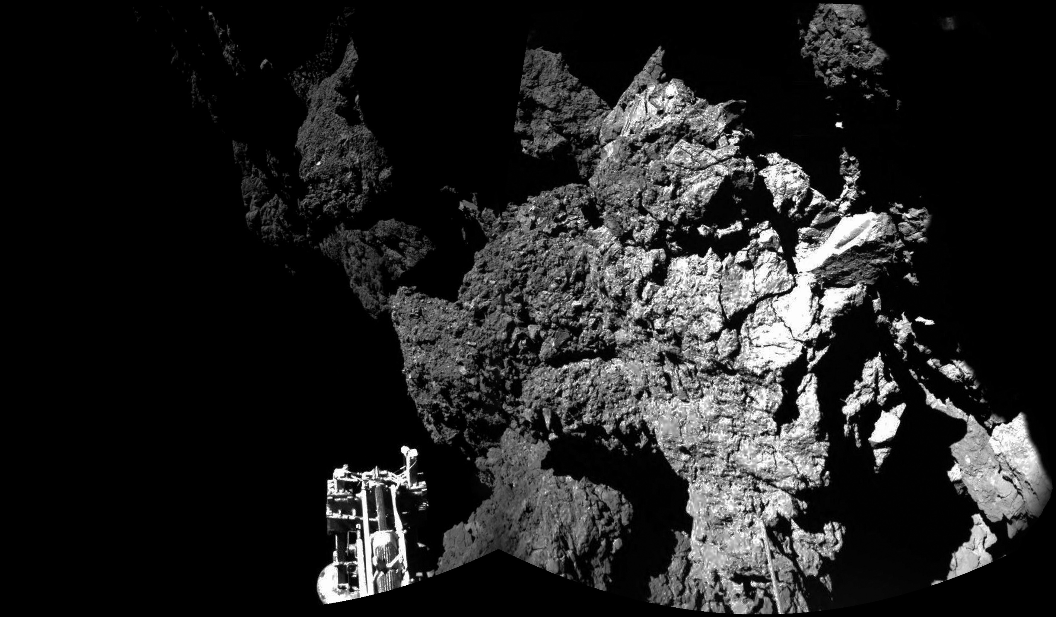 The surface of the 67P/Churyumov-Gerasimenko comet as seen from the Philae lander.
