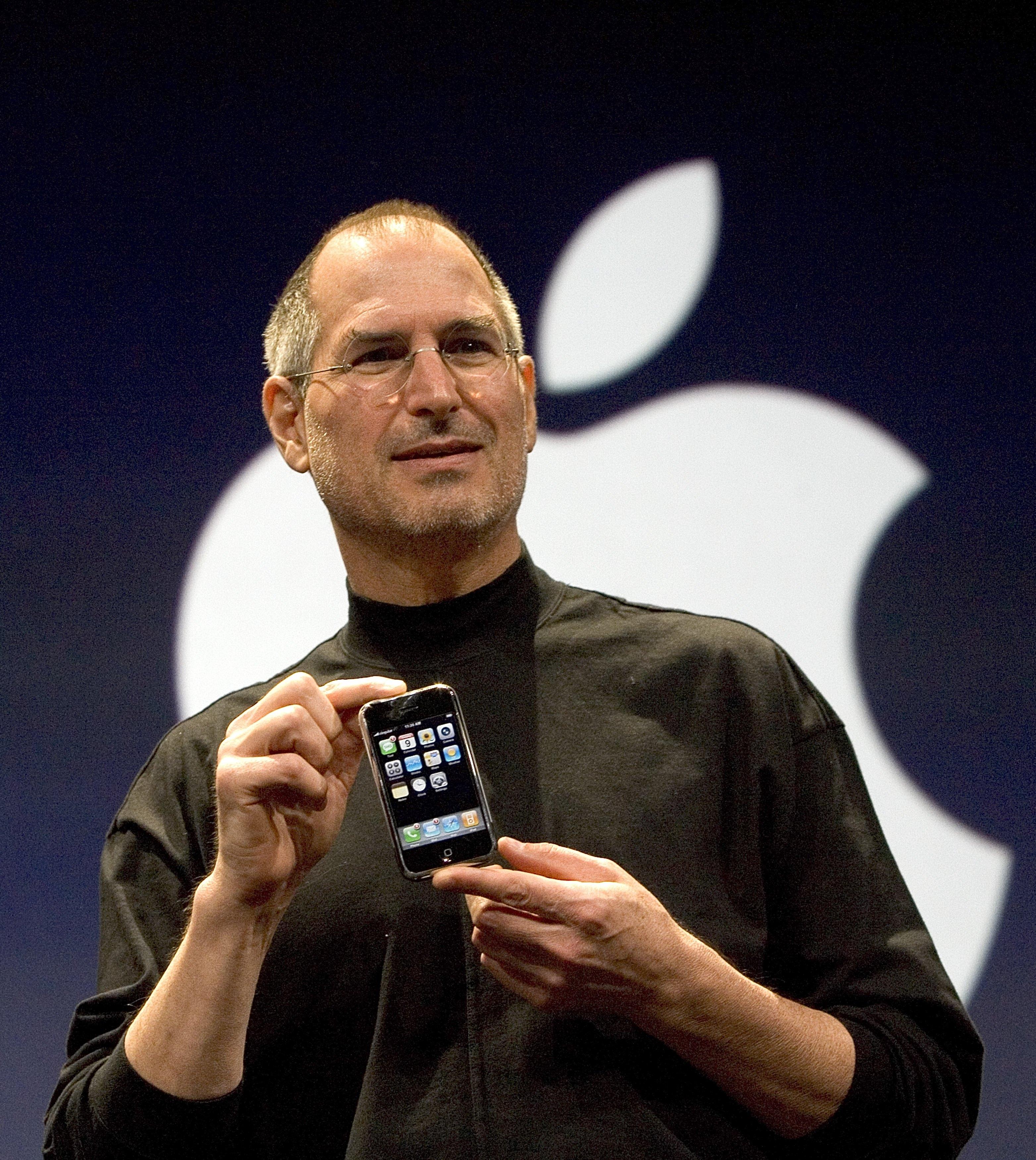 Steve Jobs Unveils Apple iPhone At MacWorld Expo