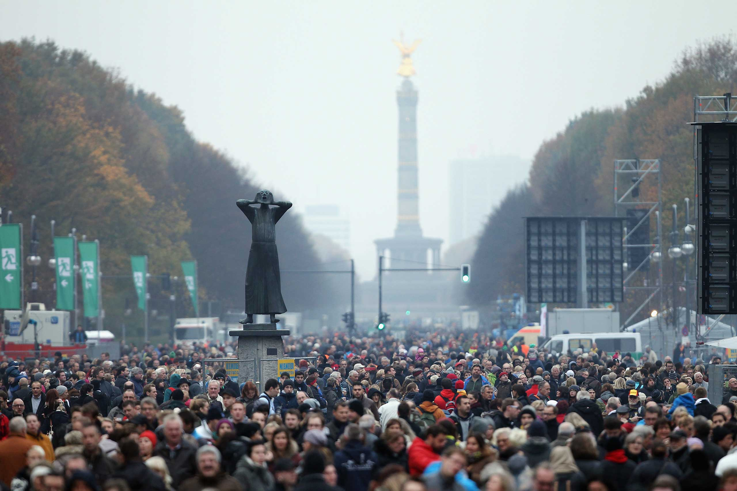 Crowds gather on the 25th anniversary of the fall of the Berlin Wall on November 9, 2014 in Berlin, Germany.
