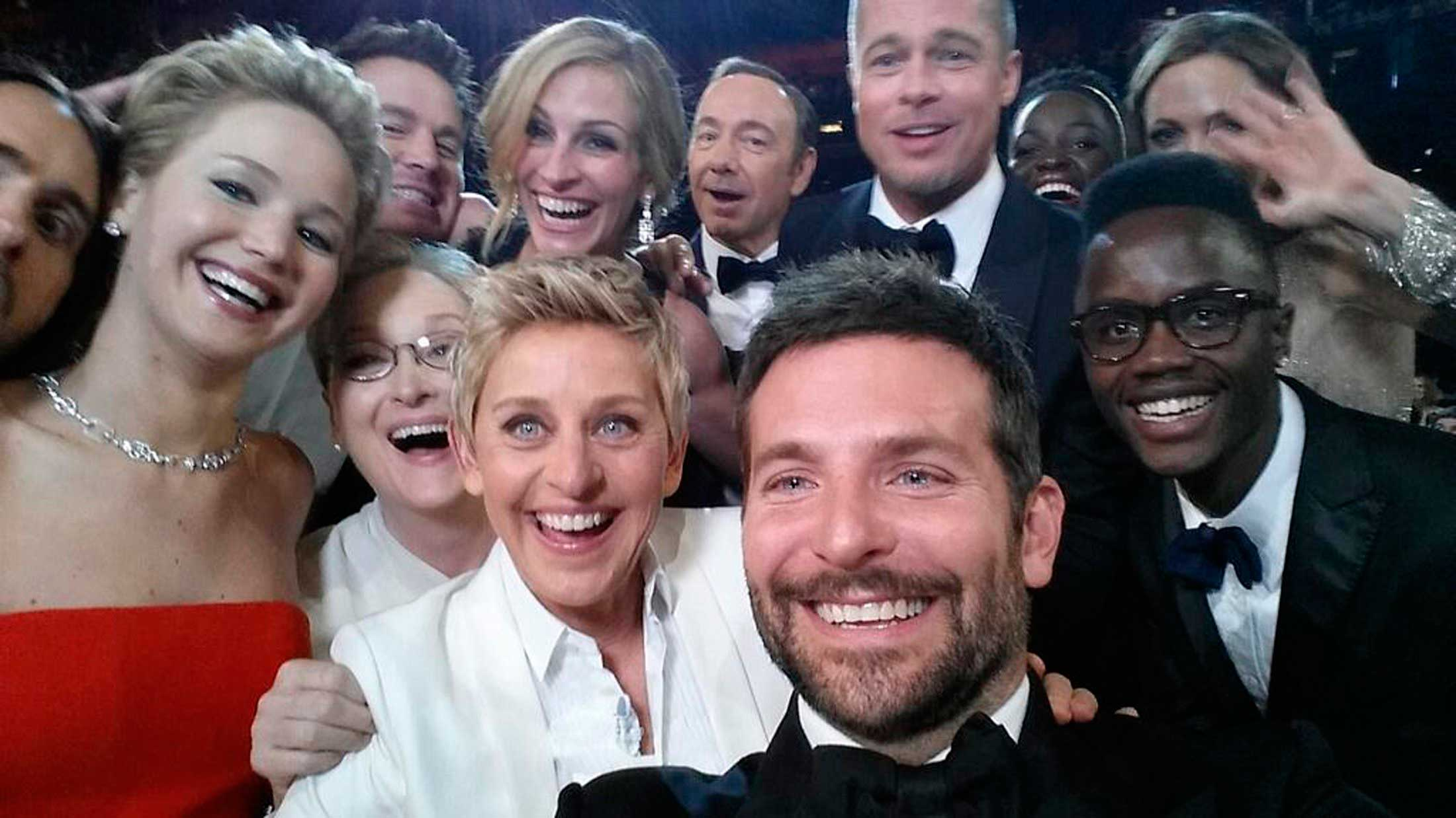 An image posted by Oscars show host Ellen DeGeneres on her Twitter account shows movie stars, including Jared Leto, Jennifer Lawrence, Meryl Streep, Channing Tatum, Julia Roberts, Kevin Spacey, Brad Pitt, Lupita Nyong'o, Angelina Jolie and Bradley Cooper as well as Nyong'o's brother Peter. March 2, 2014.
