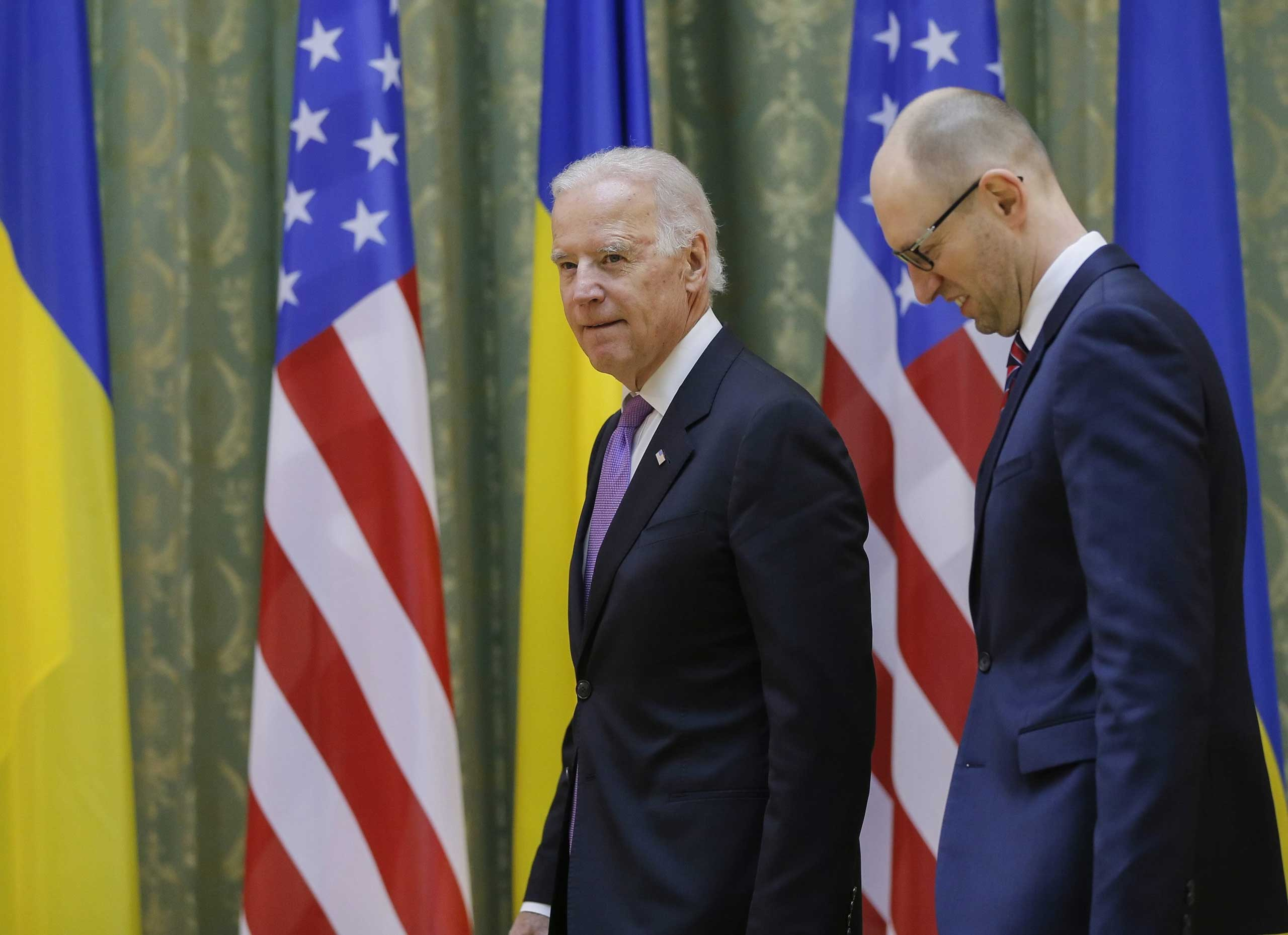 Vice President Joe Biden and Ukrainian Prime Minister Arseniy Yatsenyuk arrive for their meeting  in Kiev, Ukraine, 21 Nov. 21,2014.