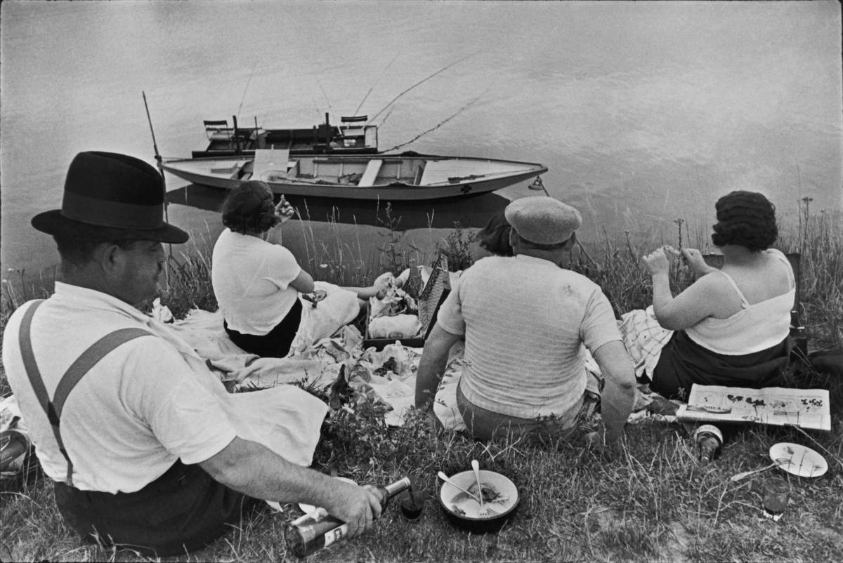 Sunday on the banks of the river Marne. France. 1938.