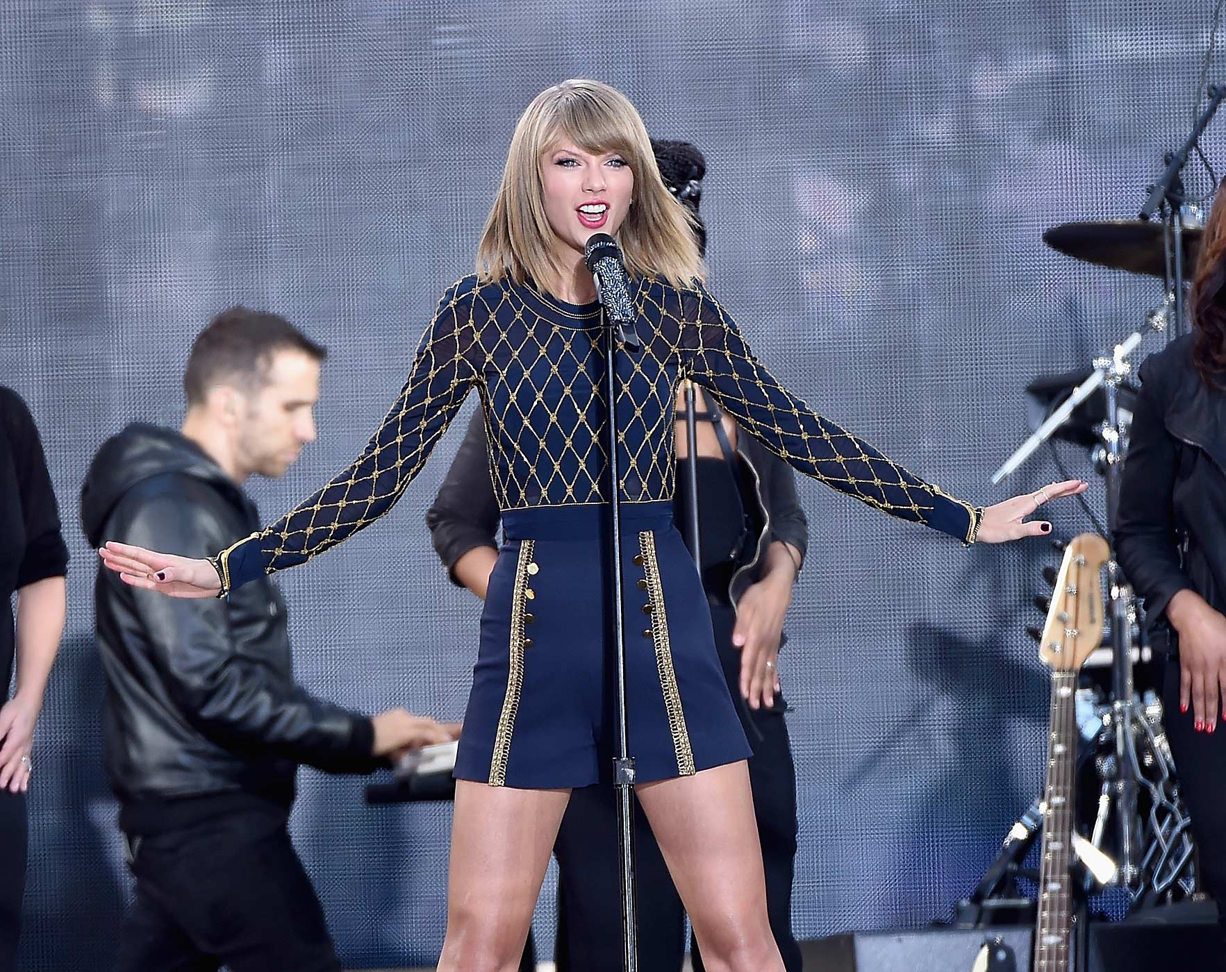 Taylor Swift Performs On ABC's  Good Morning America  at Times Square on October 30, 2014 in New York City.