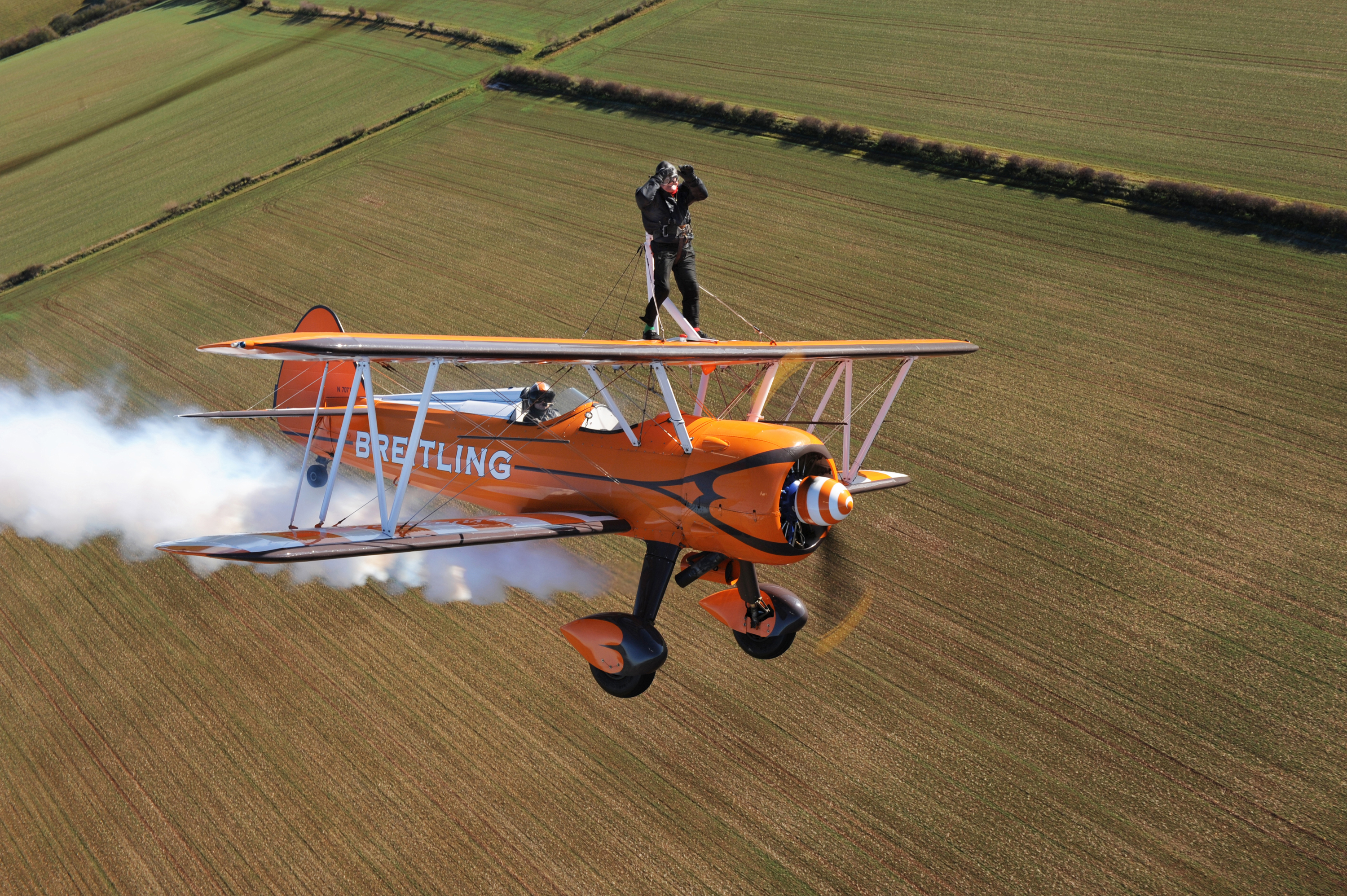The oldest wing walker is Thomas Lackey who completed a wing walk at the age of 90 years and 5 months.