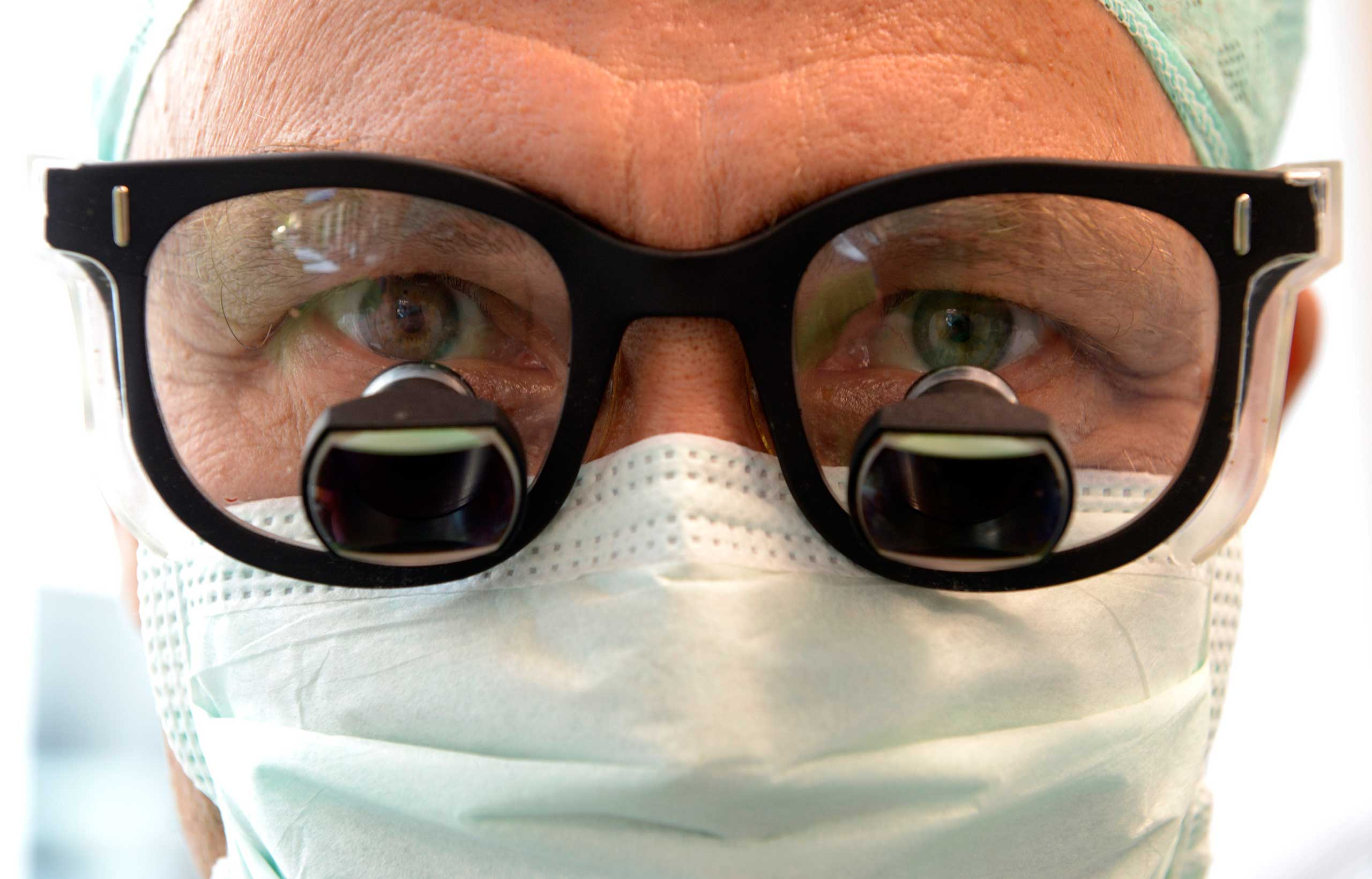 <strong>2013</strong>                                                                      Professor Karl Oldhafer, chief physician of general and visceral surgery at the Asklepios Hospital Hamburg-Barmbek, before liver surgery. Oldhafer used  augmented reality, which allowed the liver to be filmed with an iPad and overlaid during the operation with virtual 3D models reconstructed from the real organ. This procedure helped locate critical structures such as tumors and vessels and was expected to improve the quality of transferring pre-operational resection plans into actual surgery.