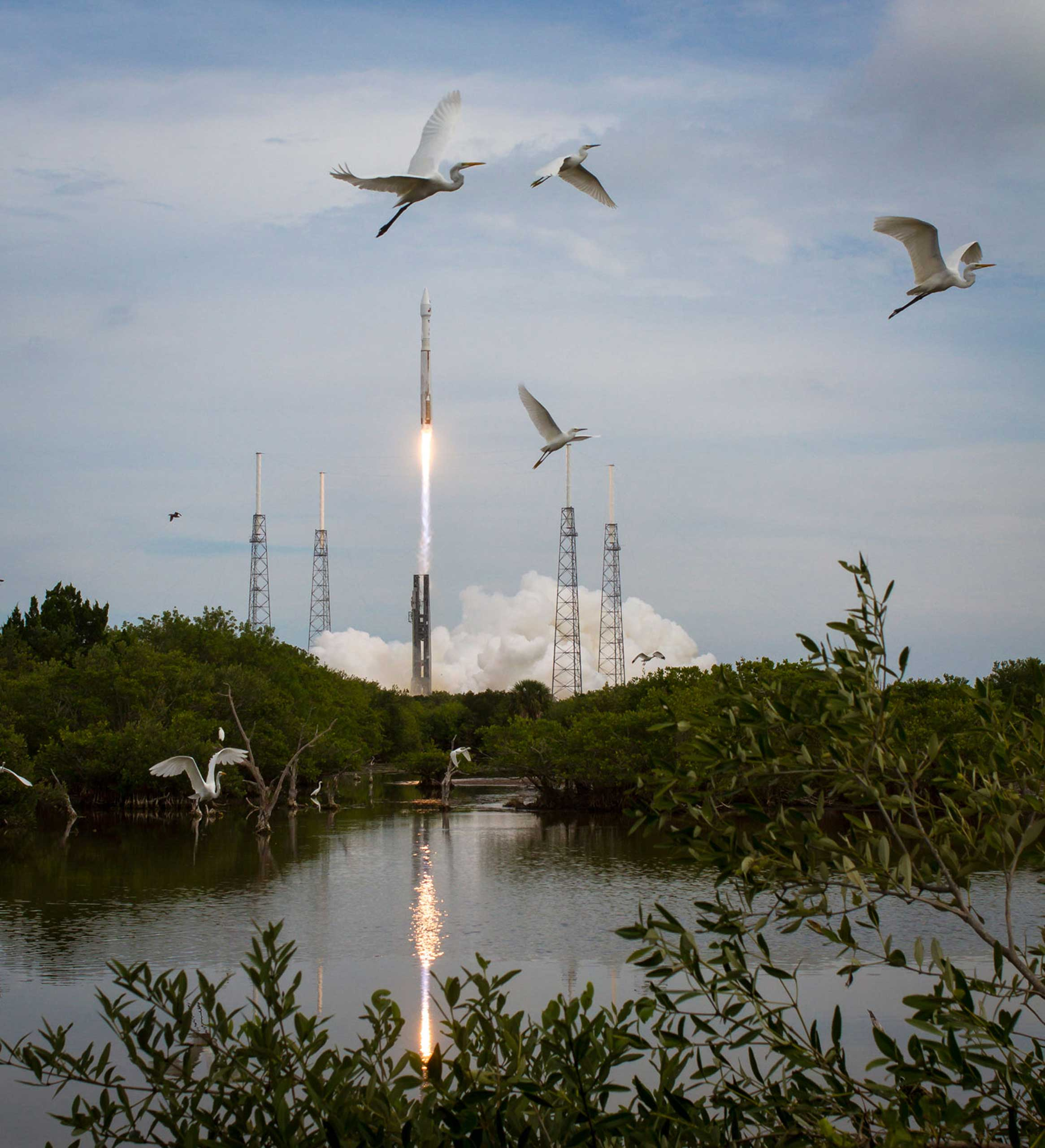 The United Launch Alliance Atlas V rocket with NASA's Mars Atmosphere and Volatile EvolutioN (MAVEN) spacecraft launches from the Cape Canaveral Air Force Station Space Launch Complex on Nov. 18, 2013.