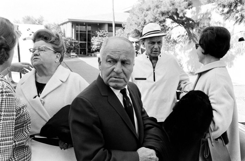 Frank Sinatra and his parents in Las Vegas in 1965
