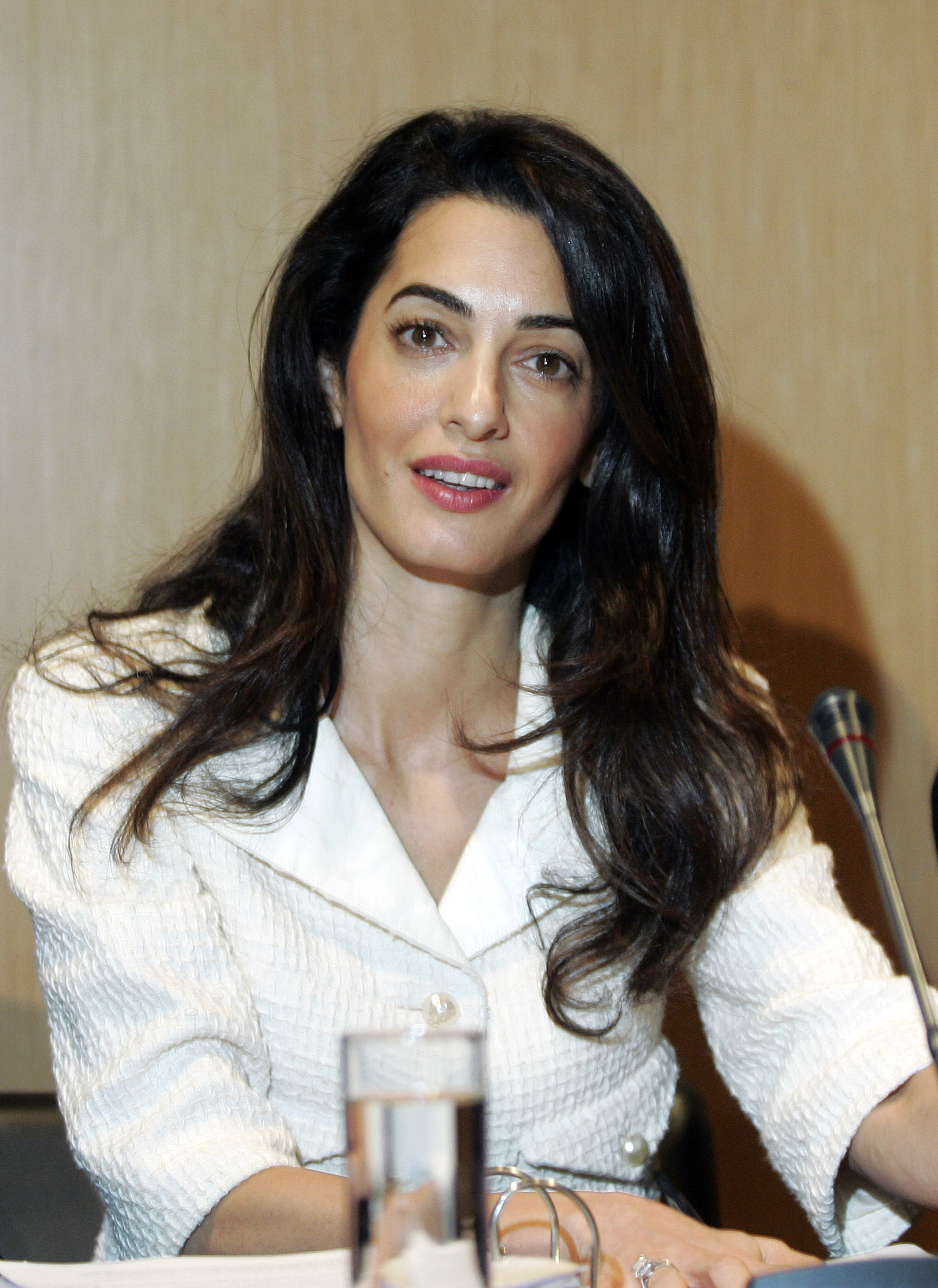 Amal Alamuddin Clooney attends a press conference at the Acropolis Museum in Athens on October 15, 2014 in Athens, Greece.