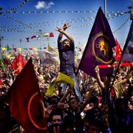 More from Newroz in Diyarbakir. #newroz #kurds #turkey #amed #diyarbakir #flags #somanyflags