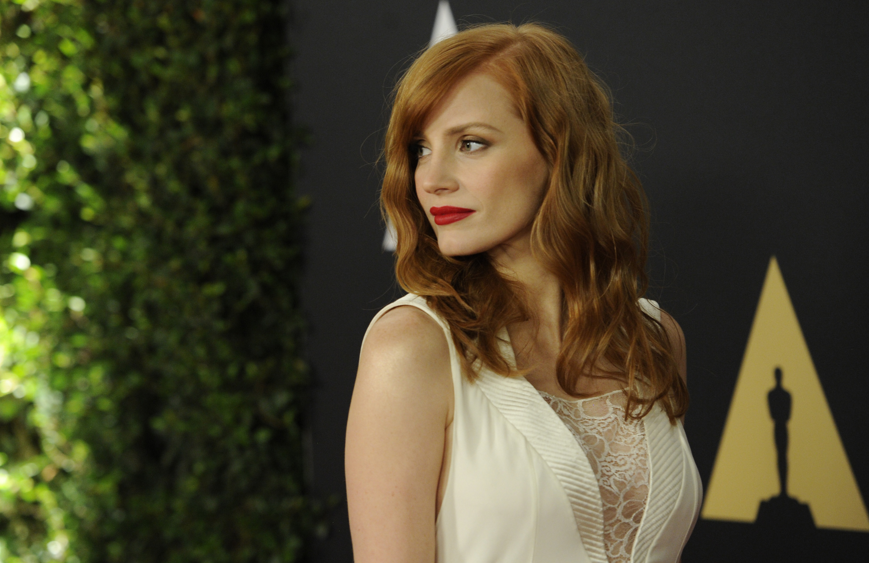 Jessica Chastain arrives at the 6th annual Governors Awards at the Hollywood and Highland Center on Saturday, Nov. 8, 2014 in Los Angeles. (Photo by Chris Pizzello/Invision/AP)