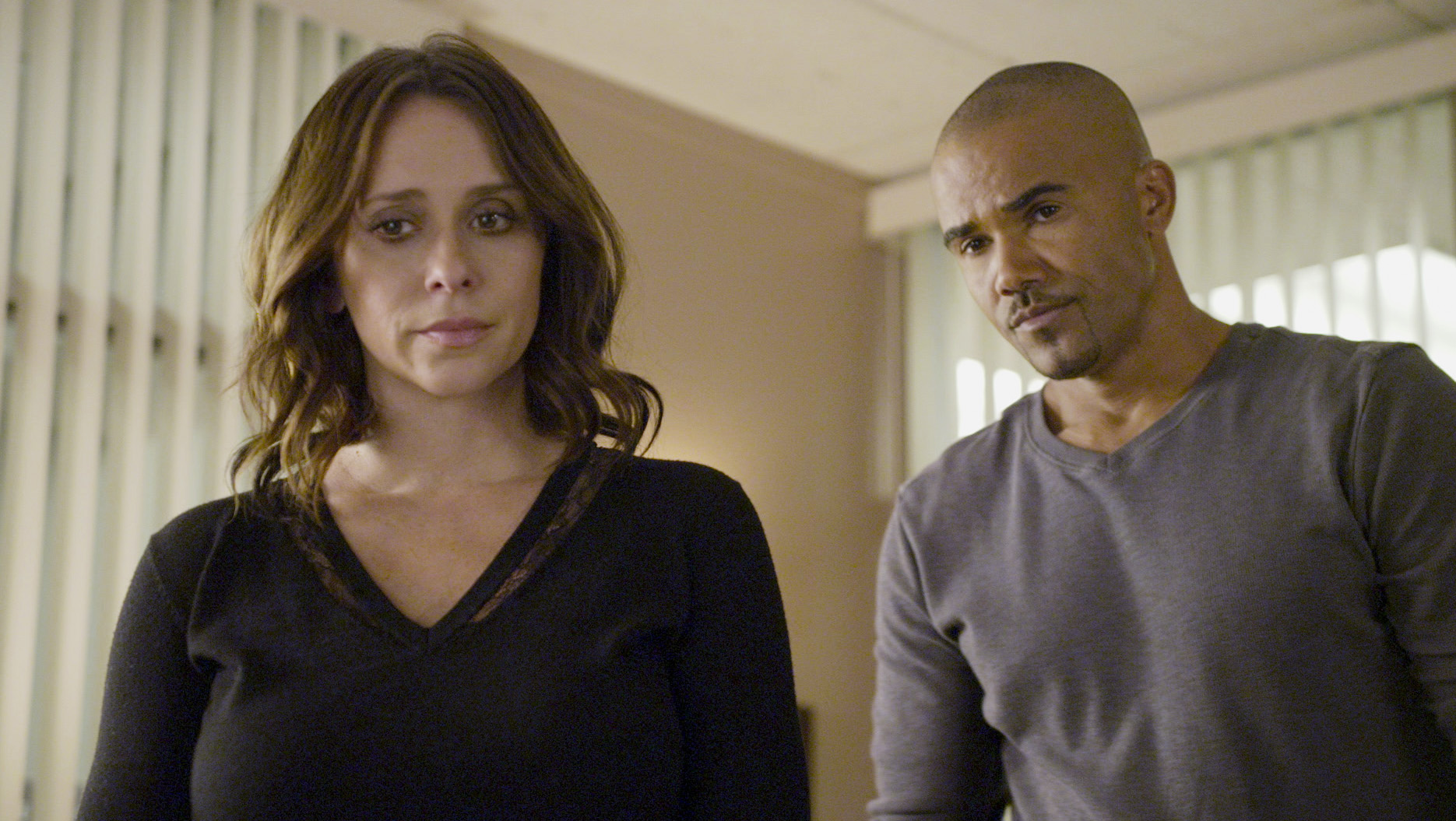 Jennifer Love Hewitt as Kate Callahan and Shemar Moore as Derek Morgan in the  Amelia Porter  episode of Criminal Minds on Dec. 10, 2014.