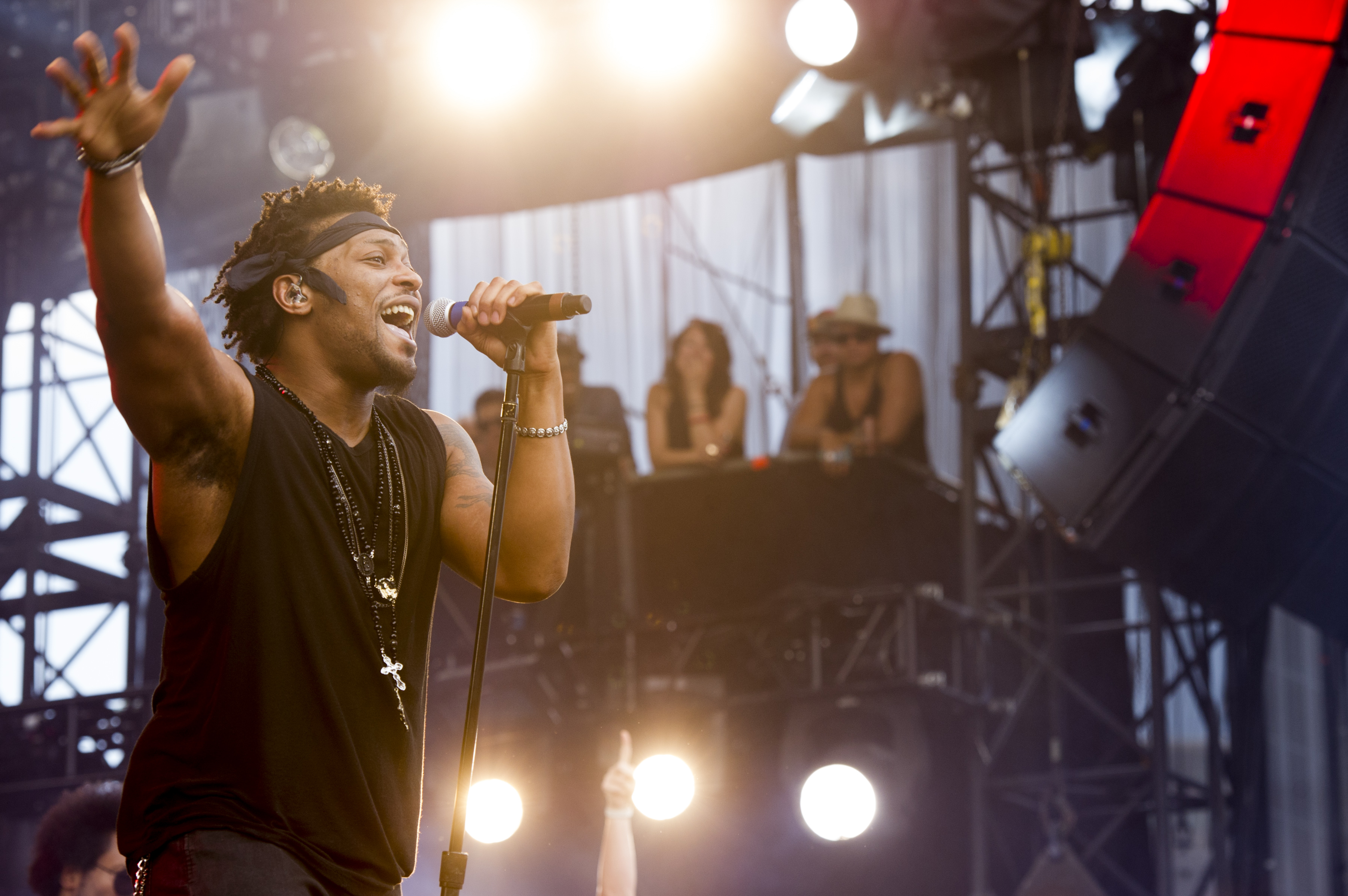 D'Angelo performing in 2012
