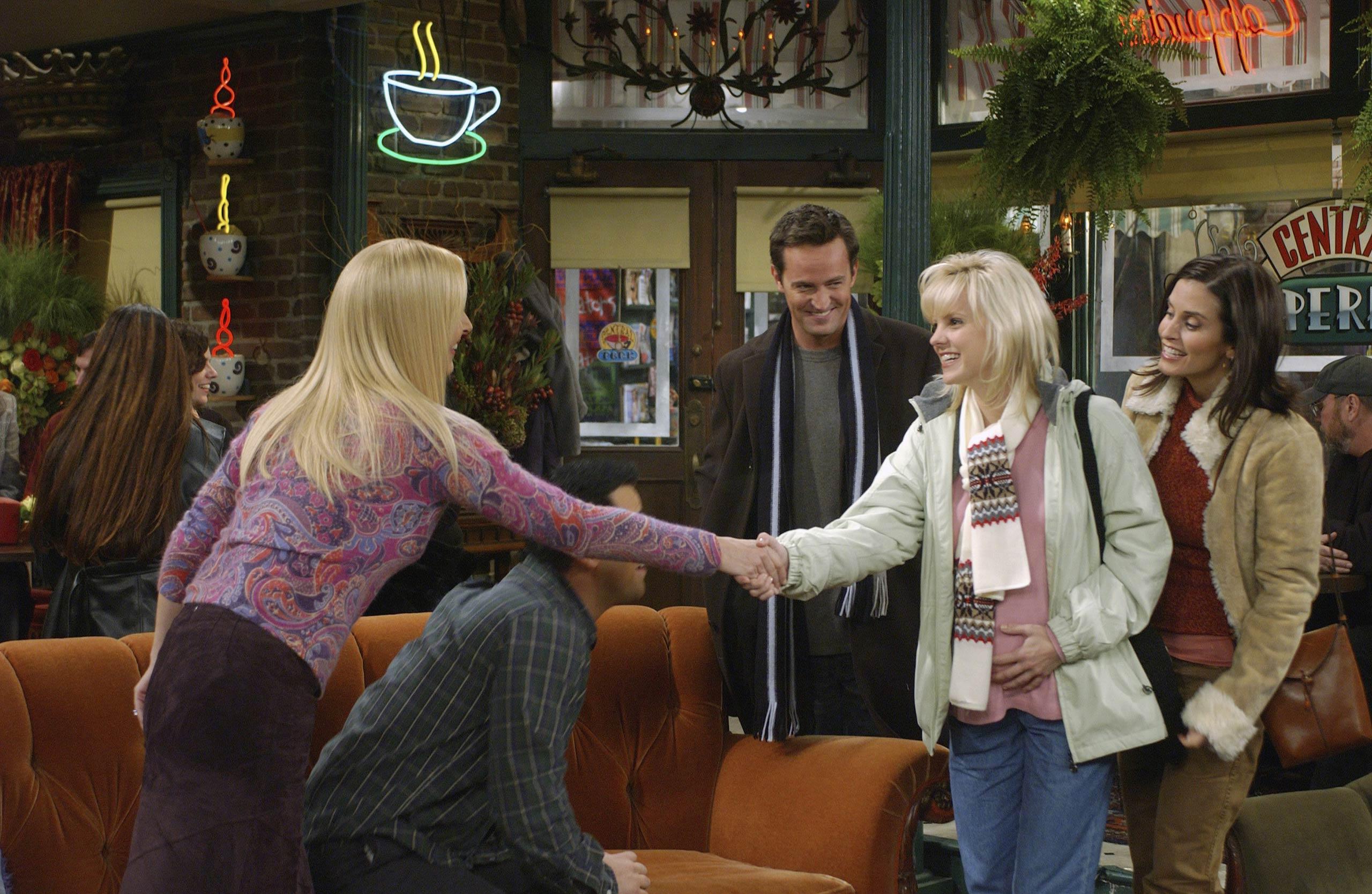 <strong>Anna Faris</strong> – Anna Faris had a season-long role as Erica, whose twins Chandler and Monica adopt