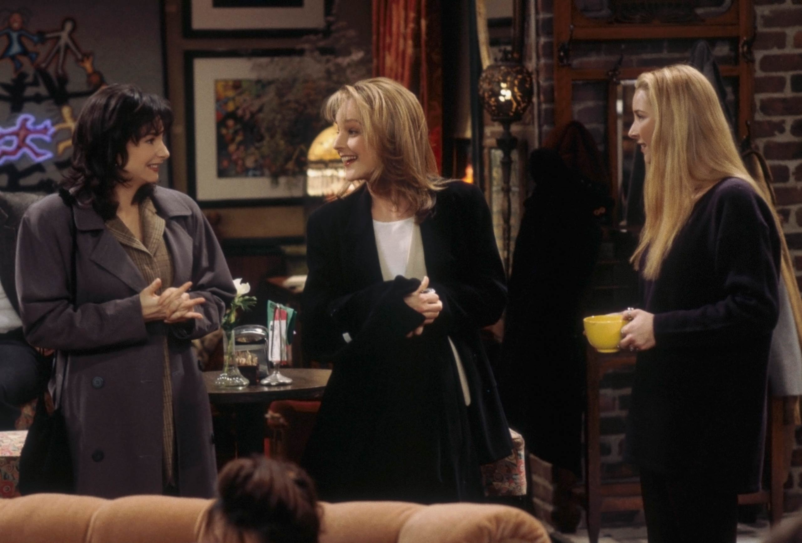 <strong>Helen Hunt</strong> – In a confusing crossover, Hunt (a <i>Mad About You</i> star) mistakes Phoebe for her twin sister Ursula (a real character played by Lisa Kudrow in both <i>Friends</i> and <i>Mad About You</i>)