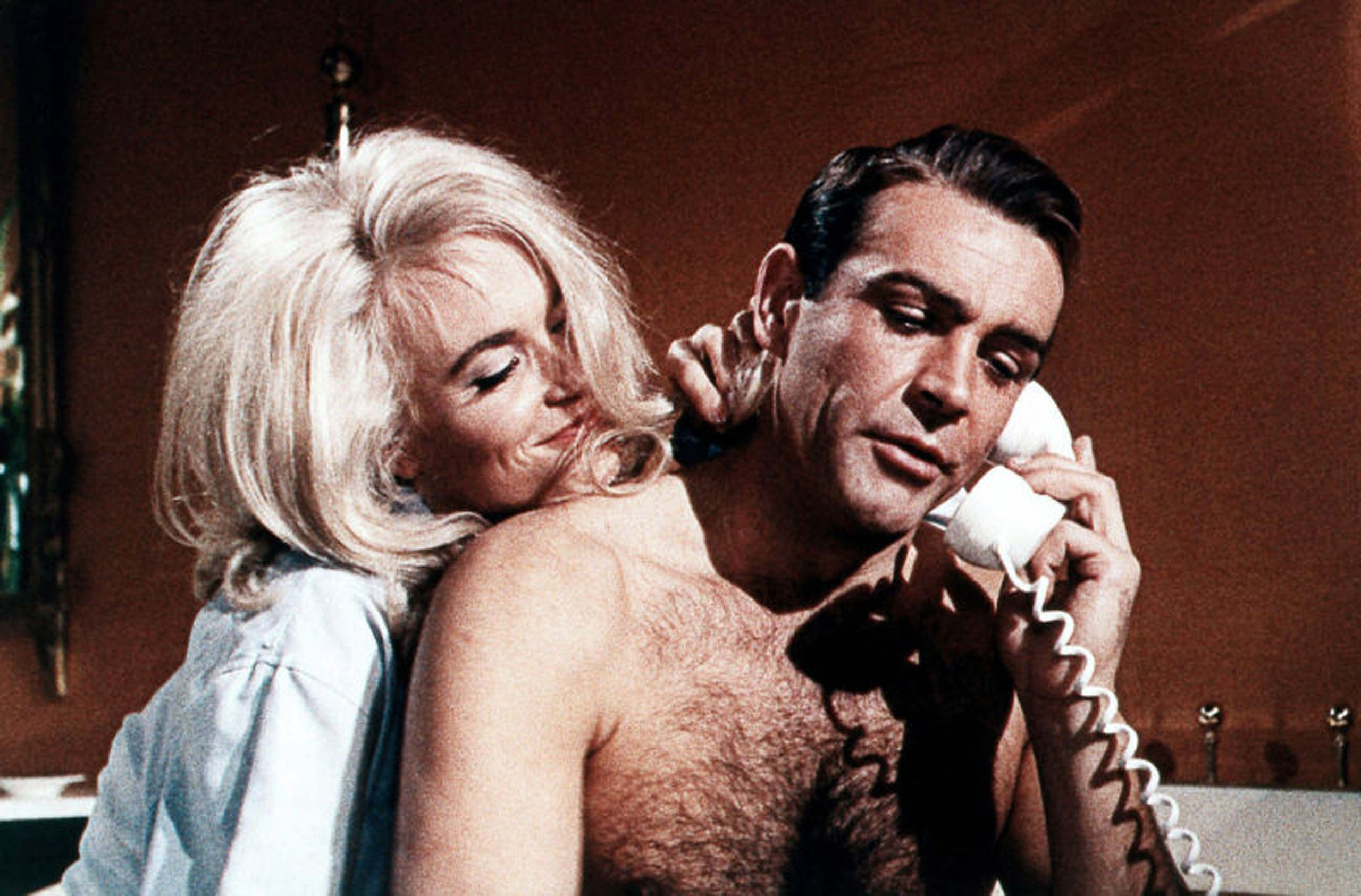 <strong><i>Goldfinger</i> (1964) - Sean Connery</strong>