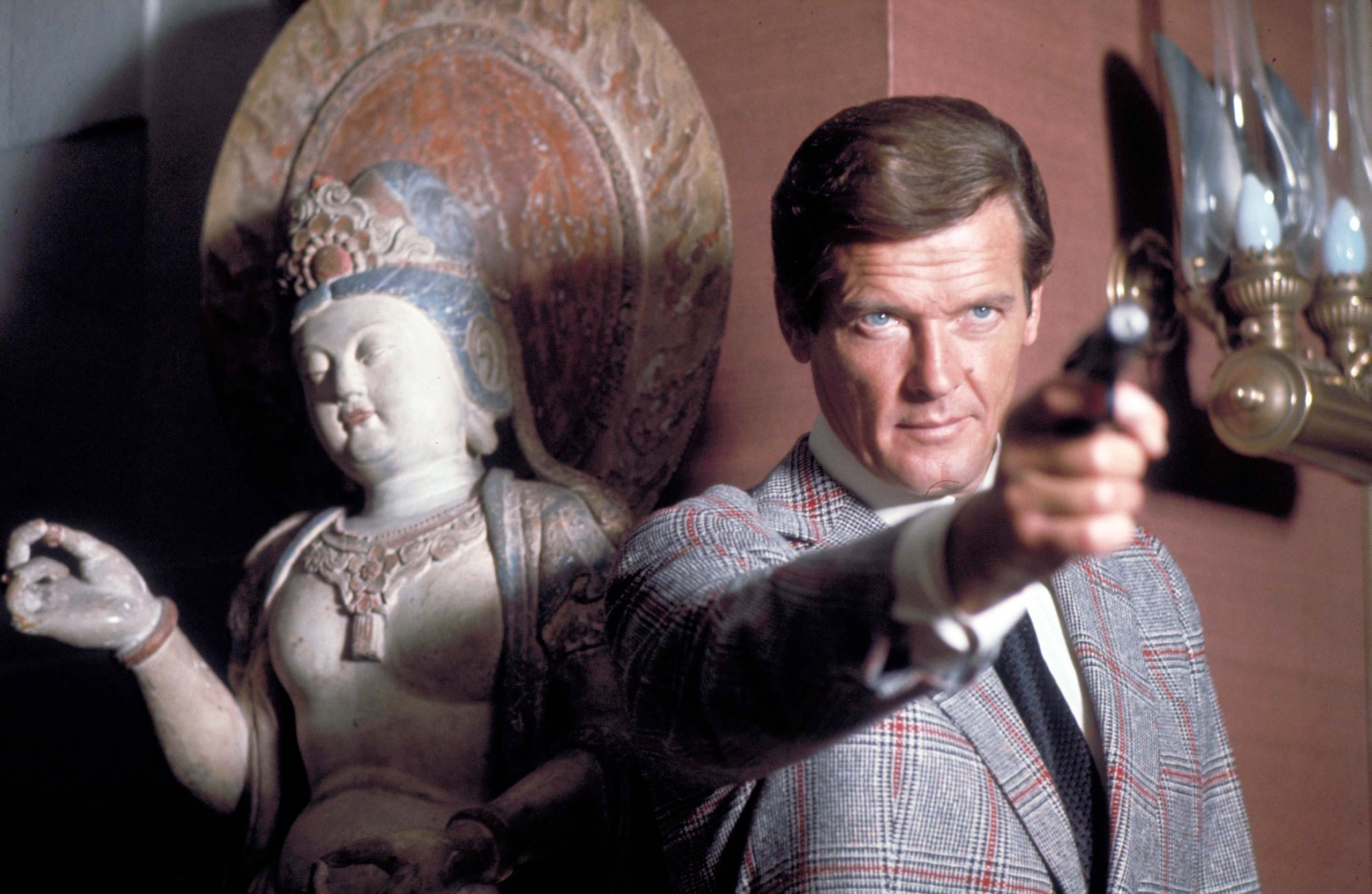<strong><i>The Man with the Golden Gun</i> (1974) - Roger Moore</strong>
