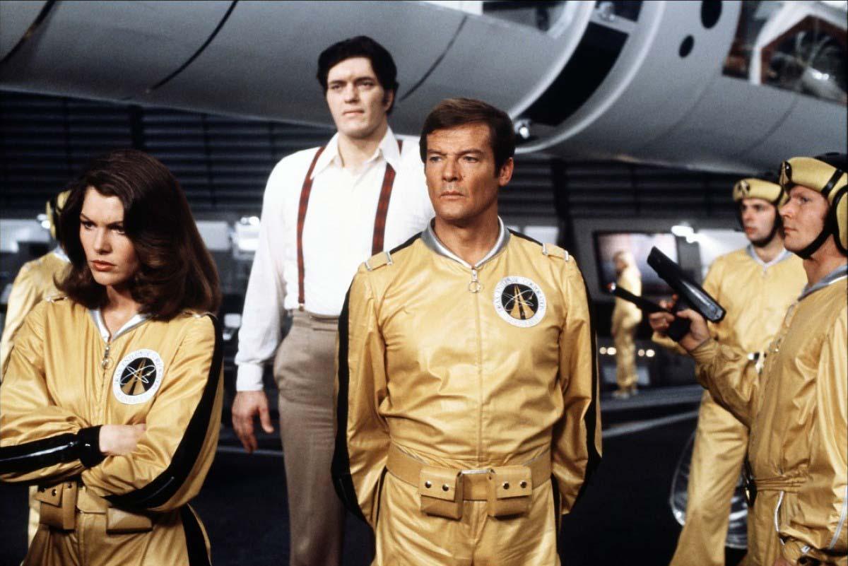 <strong><i>Moonraker</i> (1979) - Roger Moore</strong>