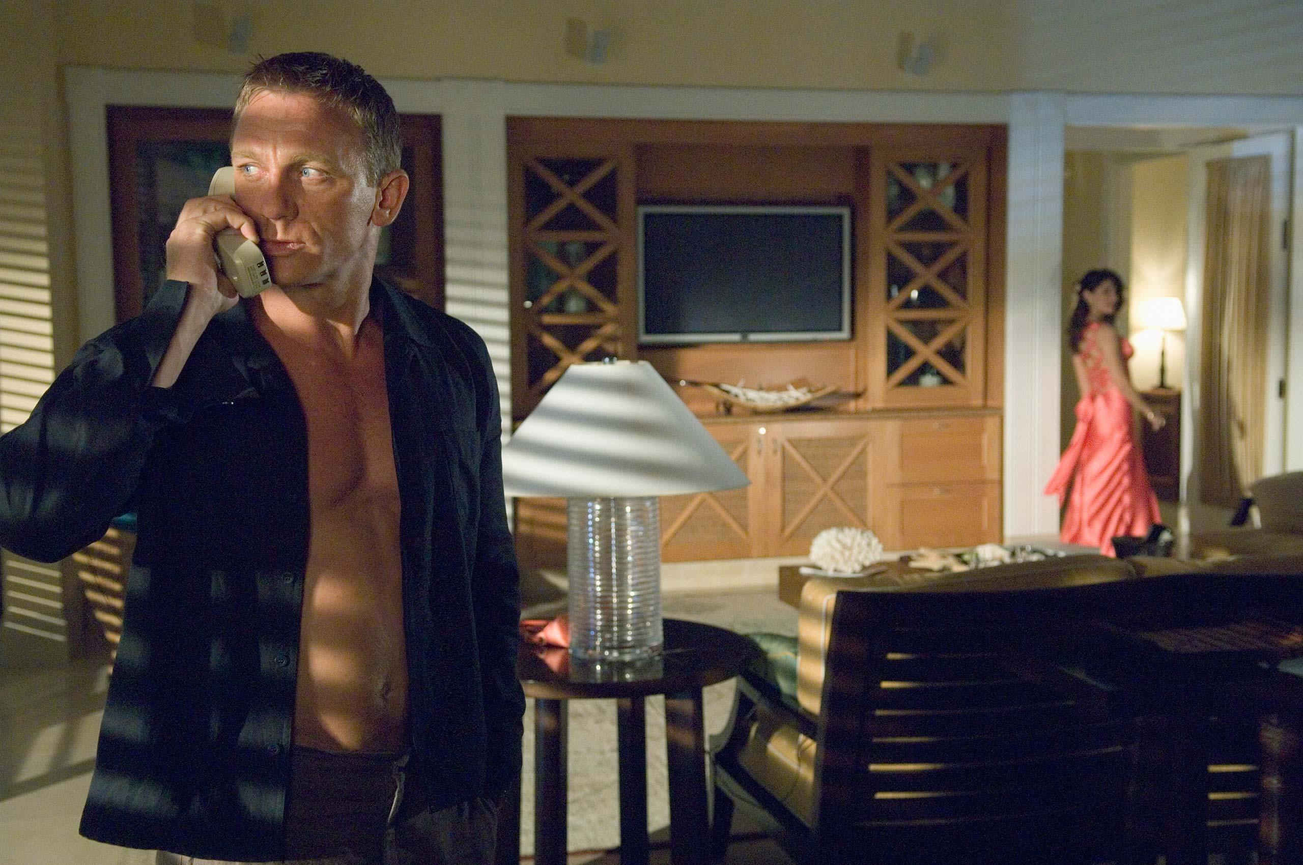 <strong><i>Casino Royale</i> (2006) - Daniel Craig</strong>