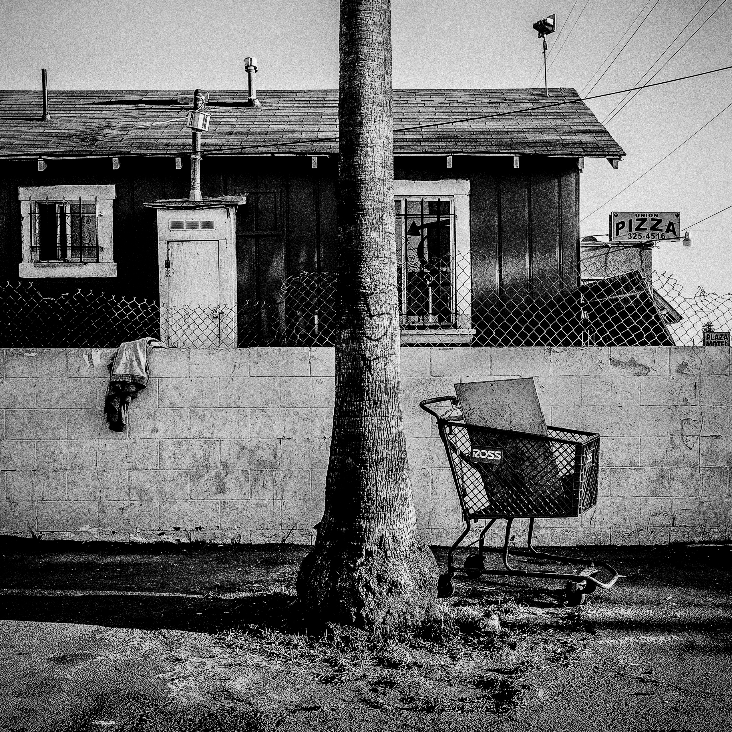 "Shopping Cart.  Bakersfield, CA.  Bakersfield is a city in Kern County, California. The population is 347,483 and 19.3% live below the poverty level. 35°22'23""N 119°1'6""W"