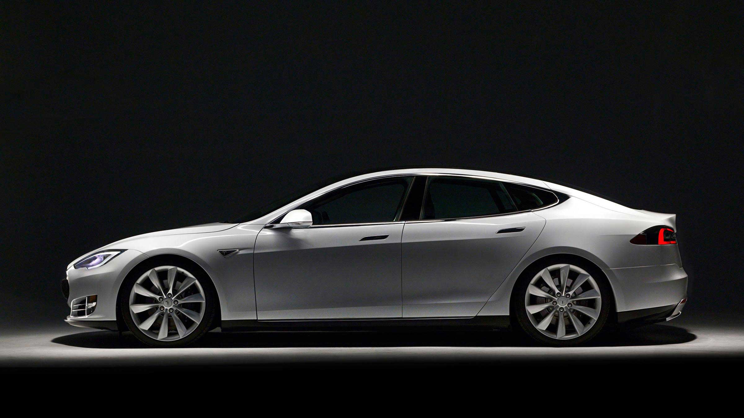 <strong>Tesla 2014 Model S</strong>                                                                      Tesla 2014 Model S has been praised both for its luxury feel and high-tech interior. The electric car offers instantaneous acceleration from a stop, a function very few other cars on the market provide.