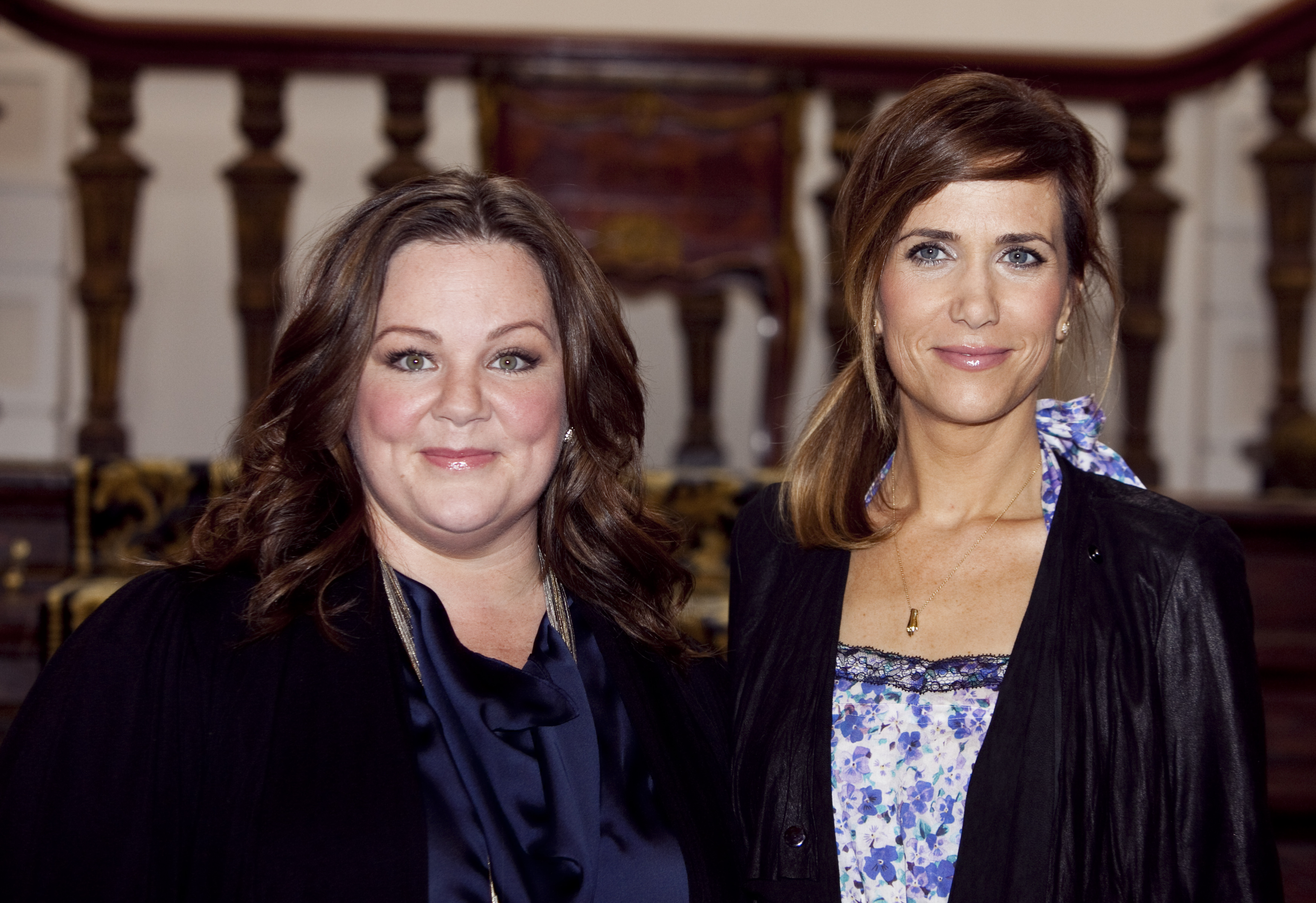 Melissa Mc Carthy and Kristen Wiig attend the photocall for 'Bridesmaids'