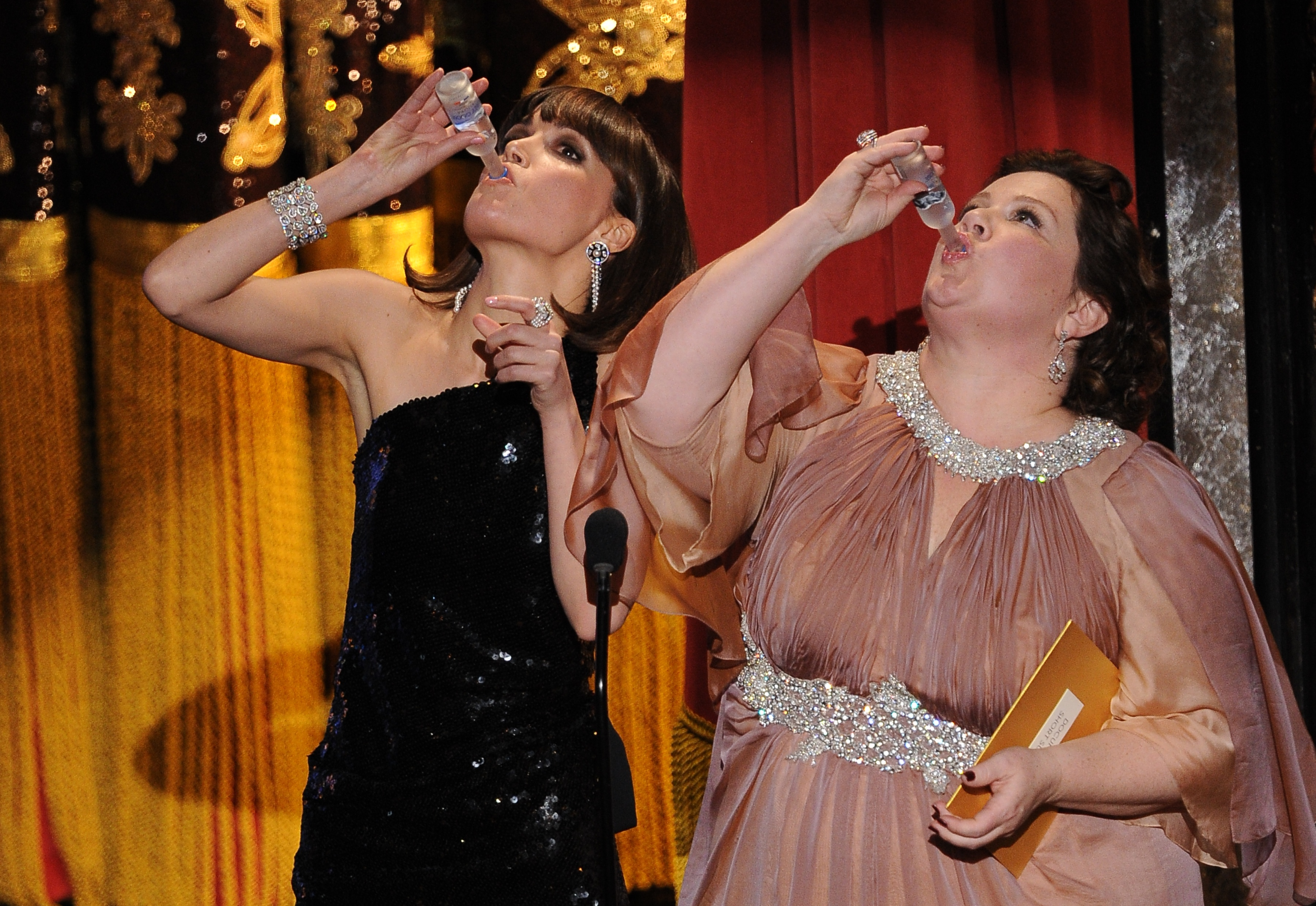 Actresses Rose Byrne and Melissa McCarth