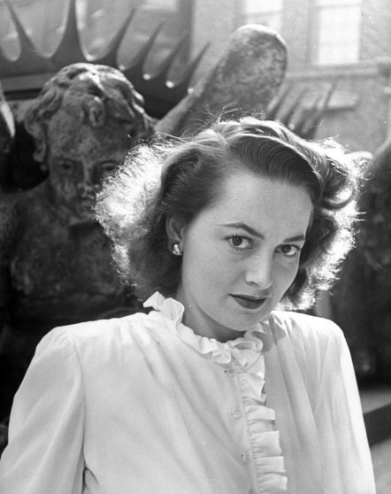 Olivia de Havilland in 1945