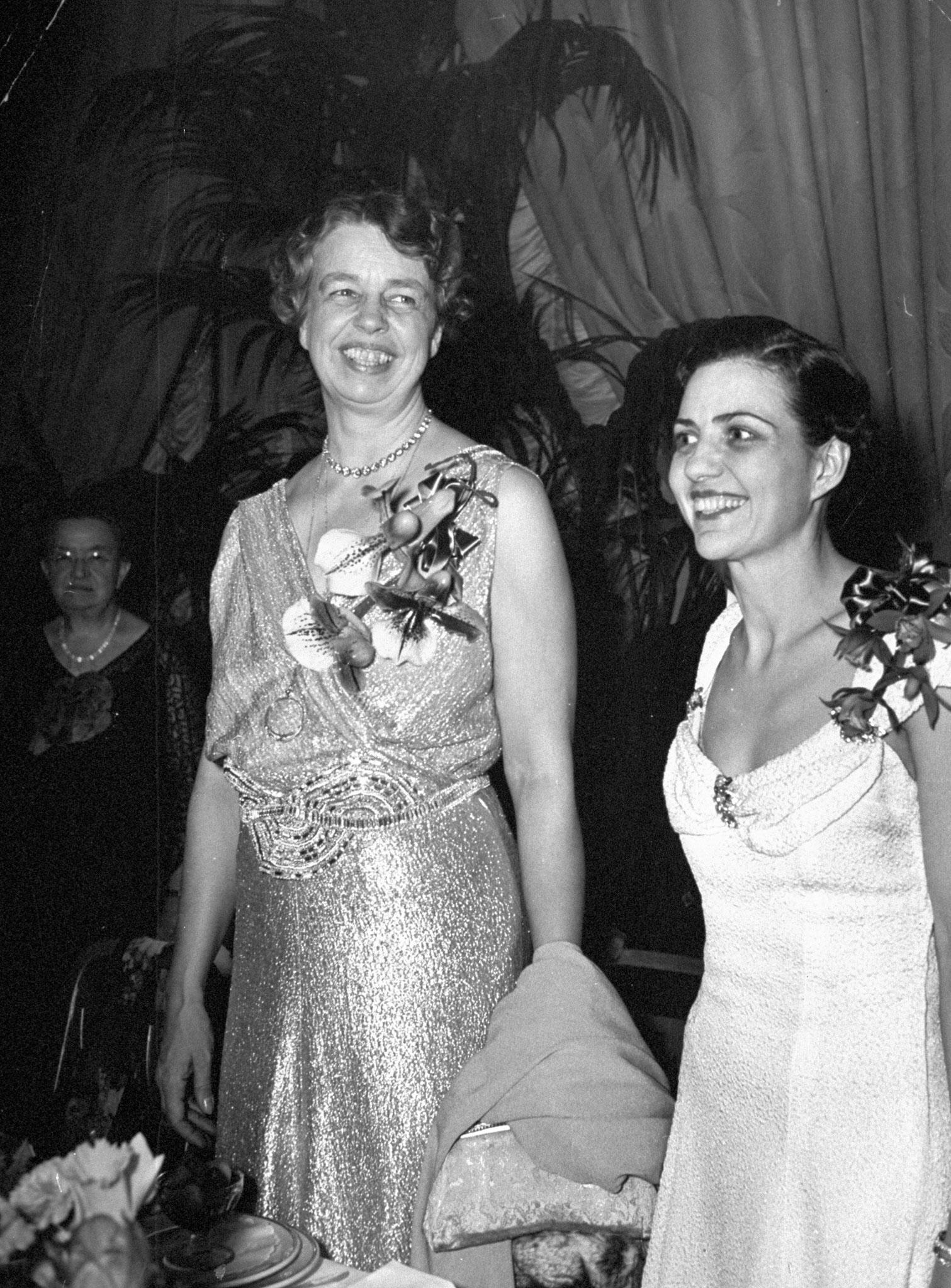 Eleanor Roosevelt with Doris Fleeson, 1937.