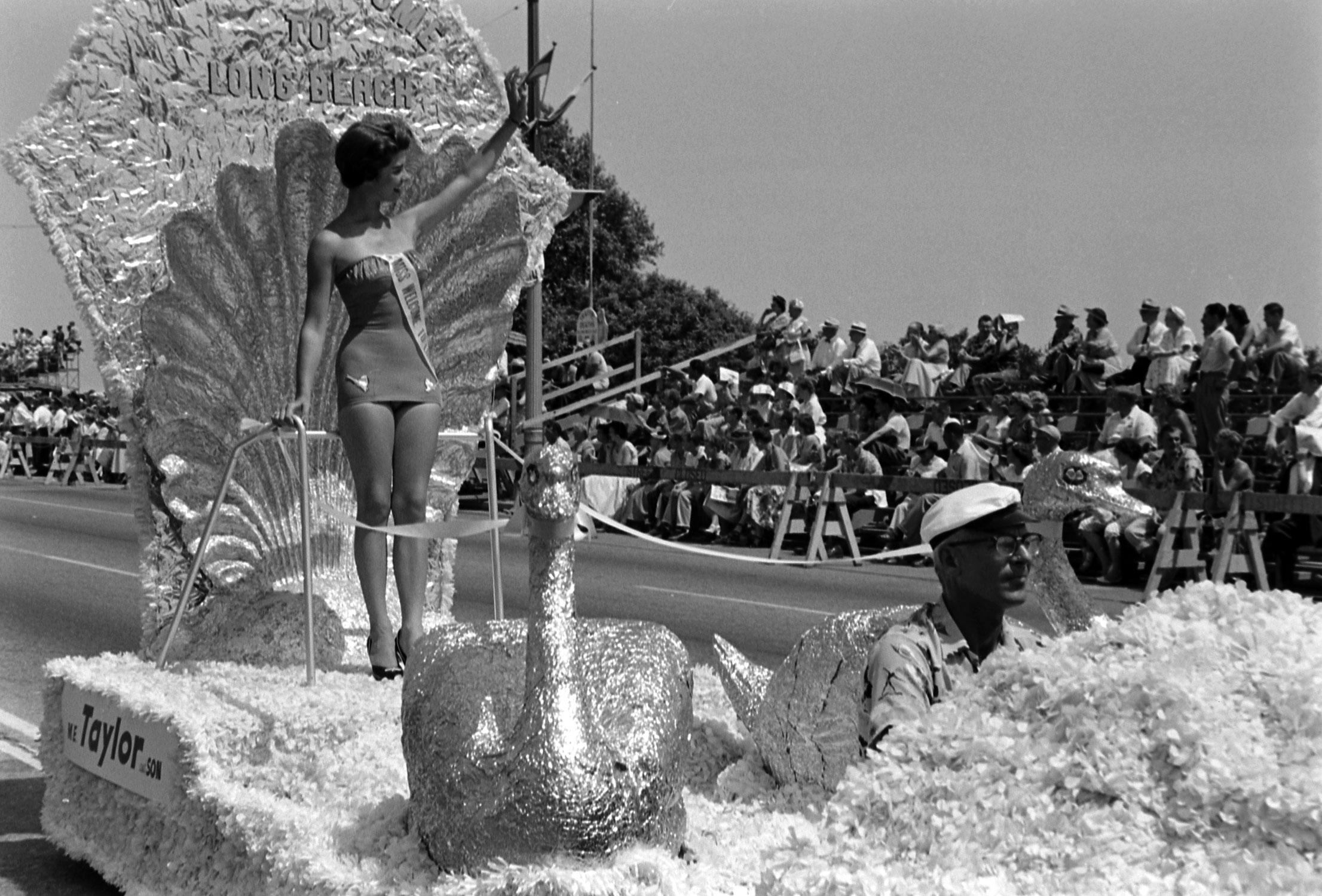 Miss Universe parade, 1954.