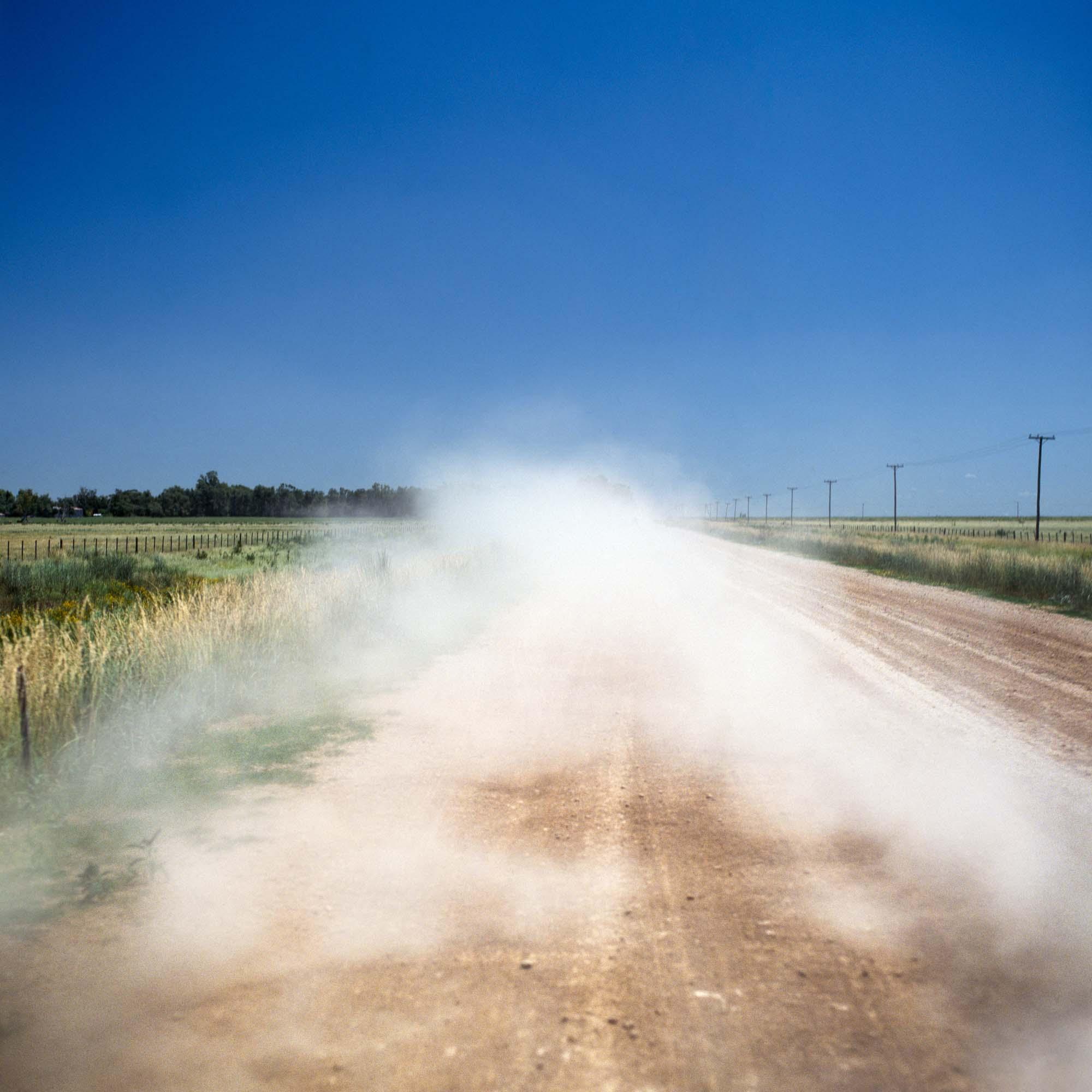 The road to town/El camino al pueblo, 2009.