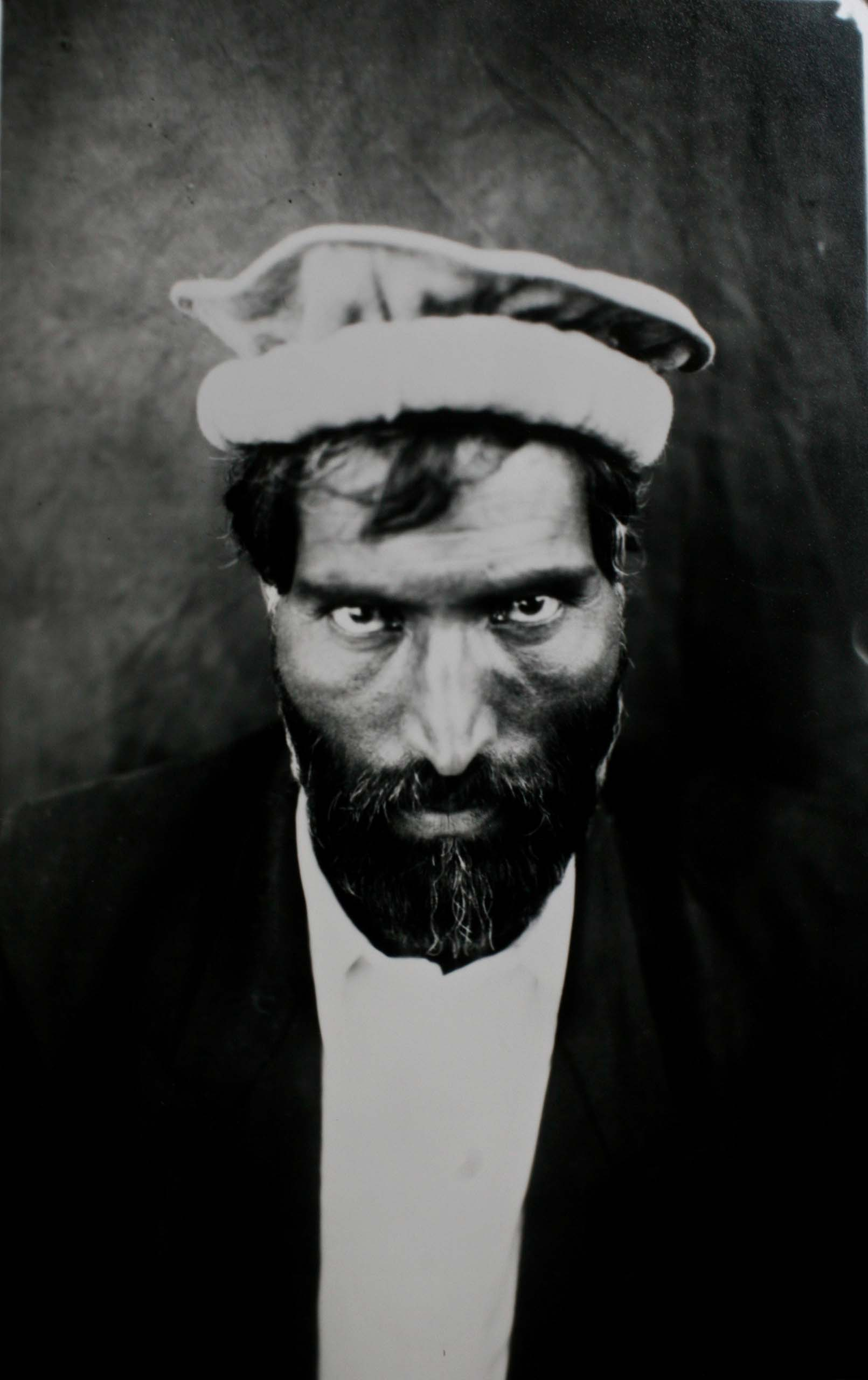 Day worker in Kabul from the series La Cámara Afgana, 2006.