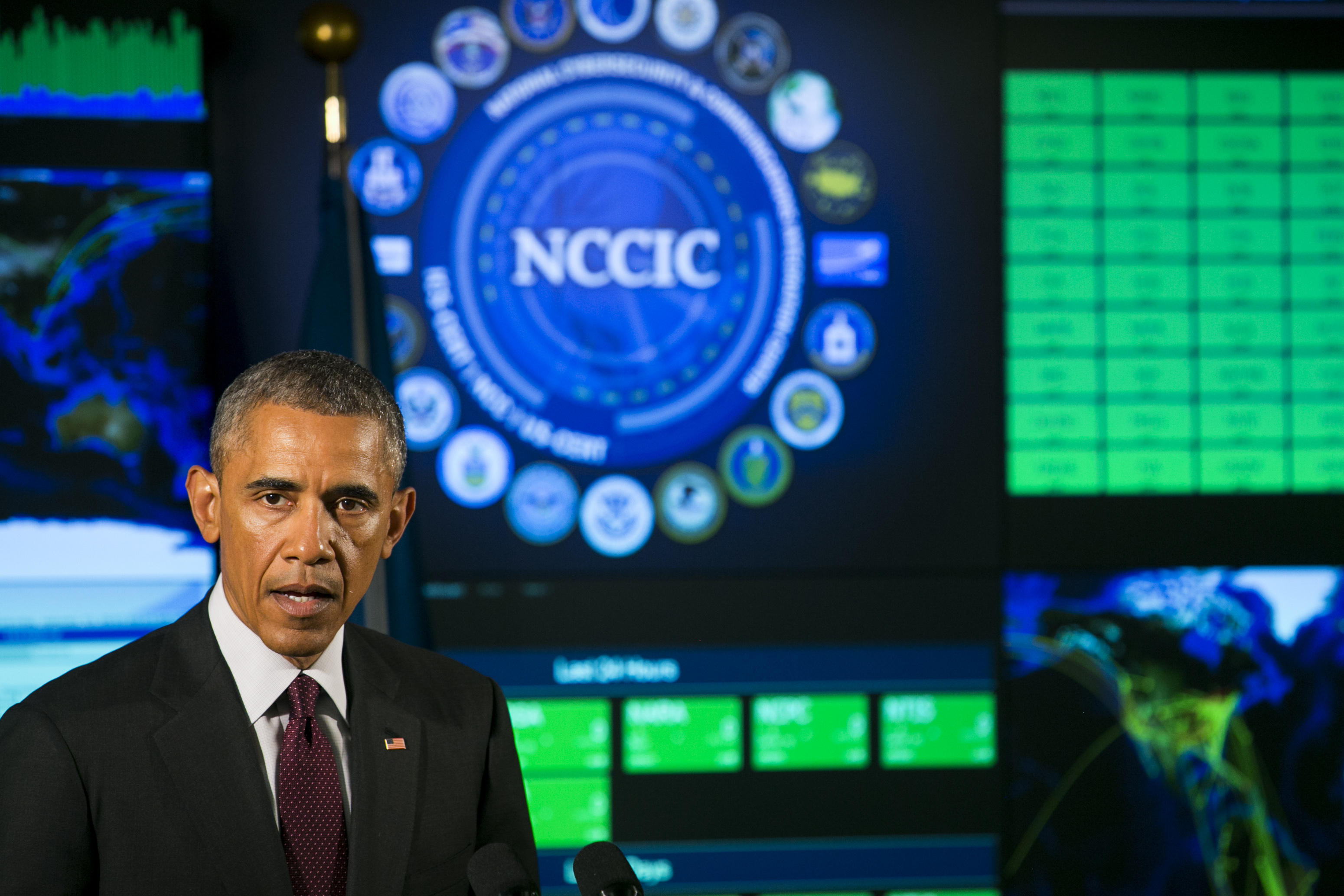 U.S. President Barack Obama delivers remarks at the National Cybersecurity and Communications Integration Center (NCCIC) on January 13, 2015 in Arlington, Virginia.