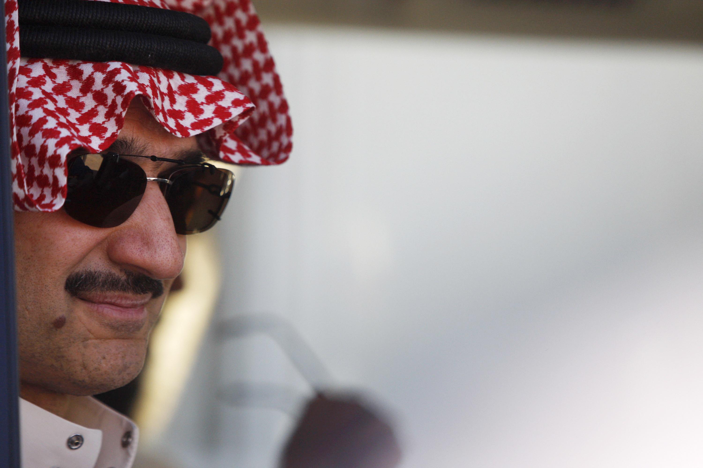 Saudi Prince Alwaleed bin Talal visits Zaatari camp for Syrian refugees northeastern Jordan