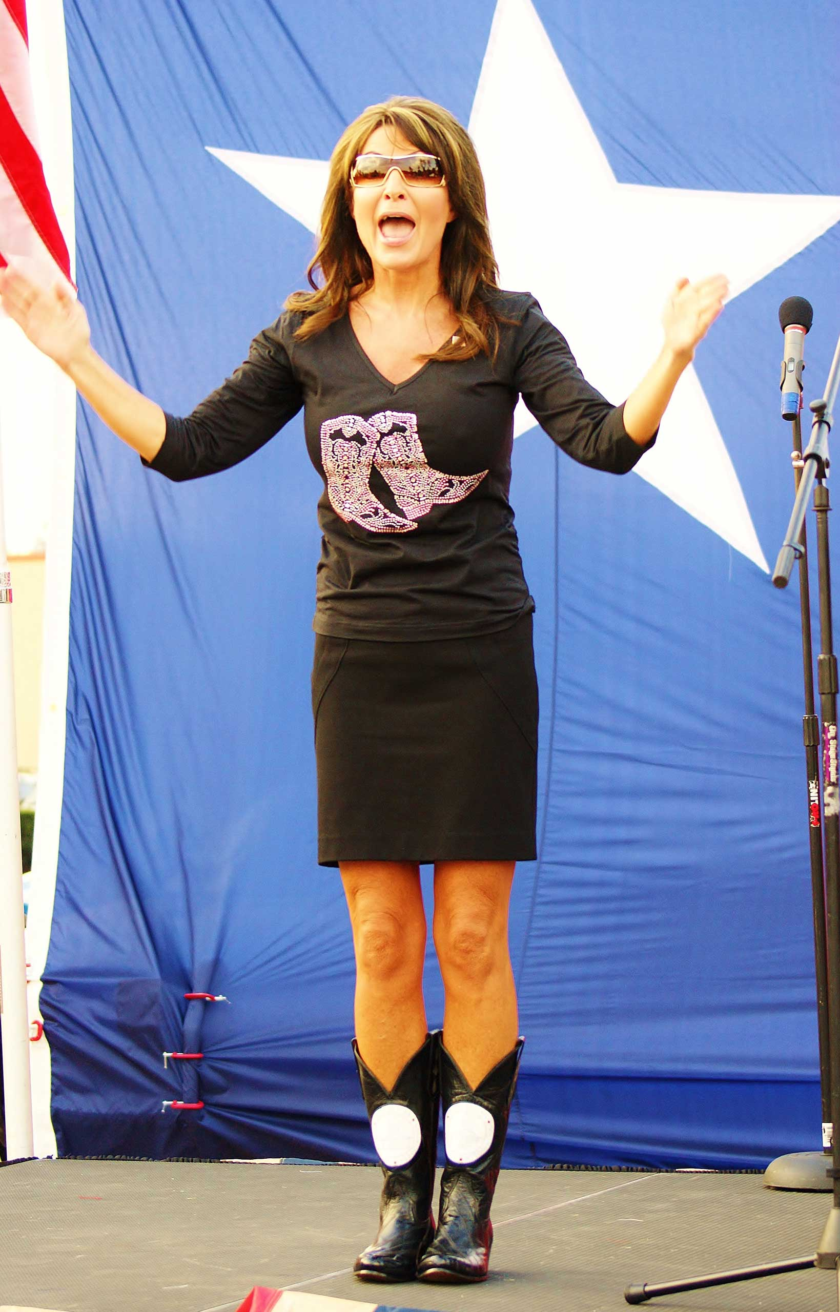 It's not just men. Former Alaska Gov. Sarah Palin has been known to put on a pair of cowboy boots.