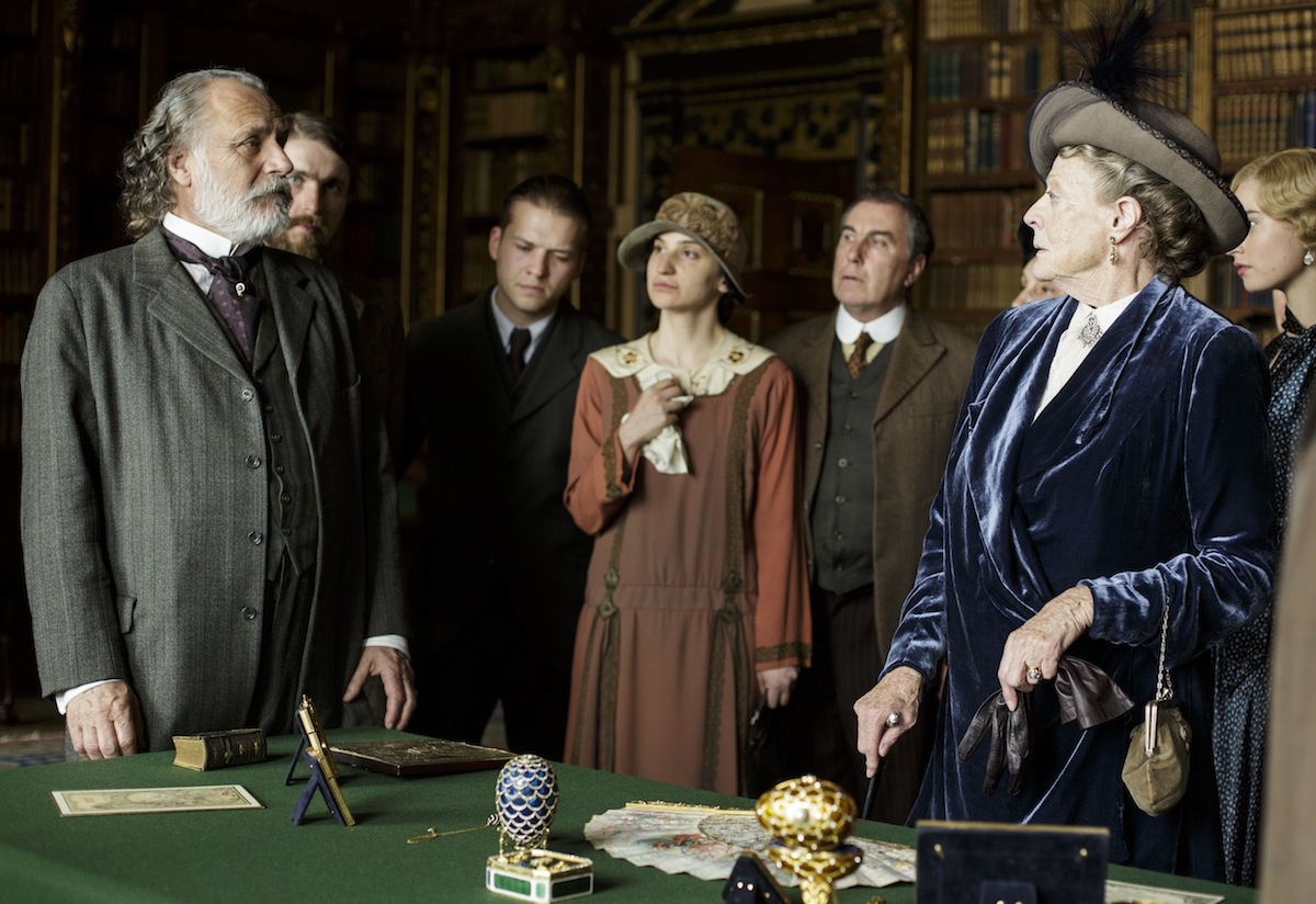 Rade Sherbedgia as Kuragin and Maggie Smith as Violet, Dowager Countess of Grantham on 'Downton Abbey'