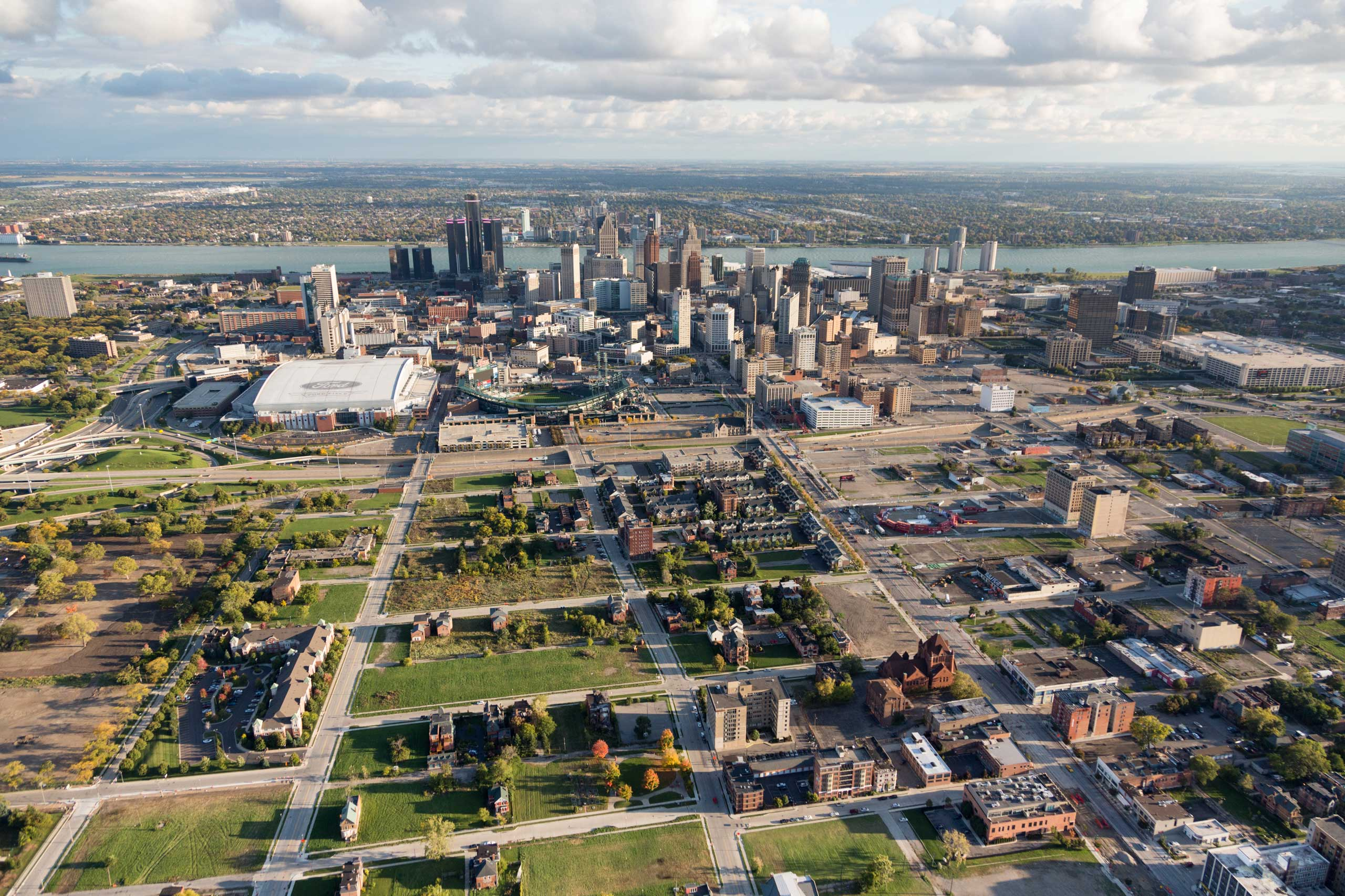 The New York Times: Detroit by AirAn overview of Brush Park and its proximity to downtown, including the Detroit River and Canada on the horizon. New housing developments begin to fill in along the edge of the neighborhood.