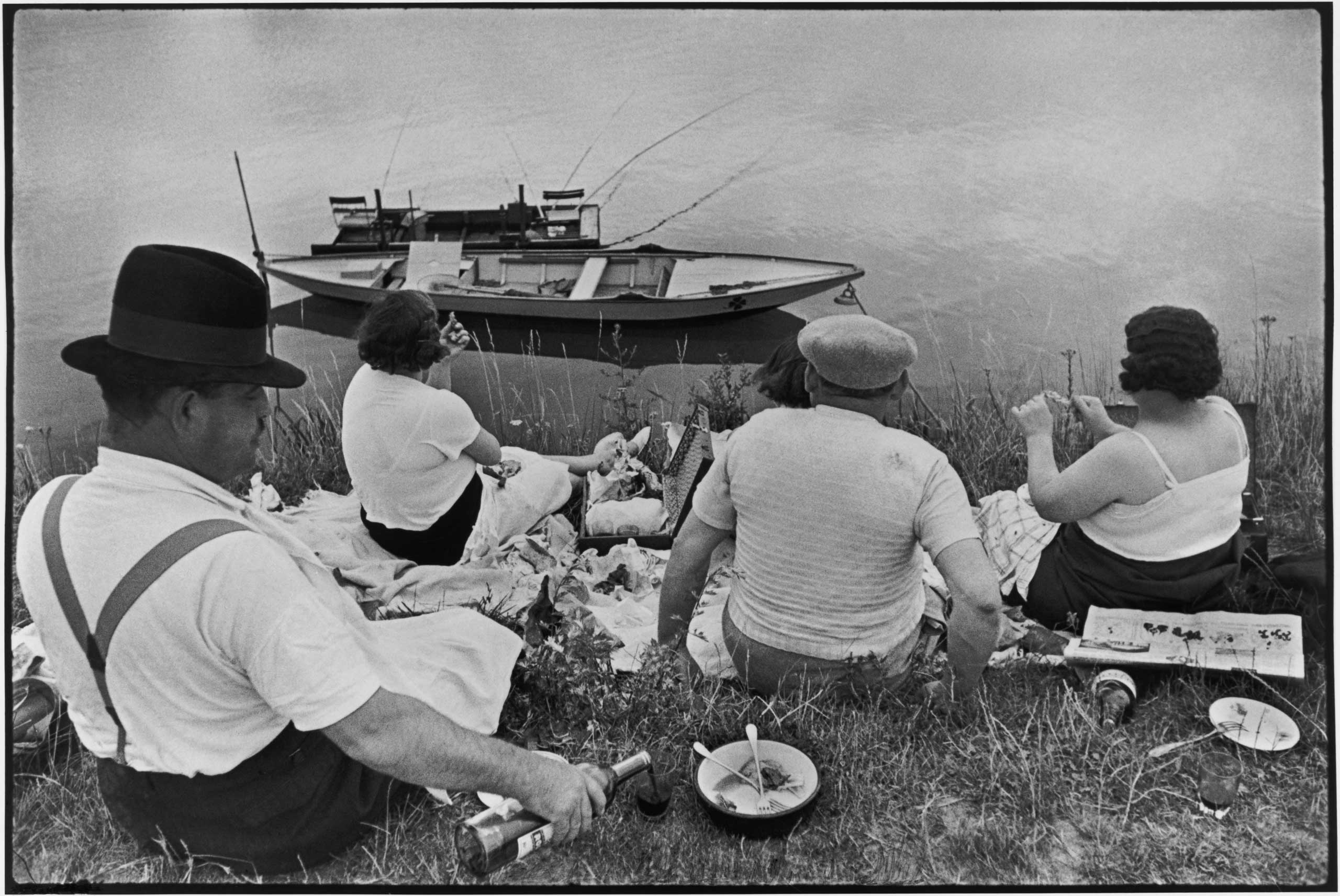 The Guardian: Cartier-Bresson's classic is back – but his Decisive Moment has passedSunday on the banks of the river Marne. France. 1938.