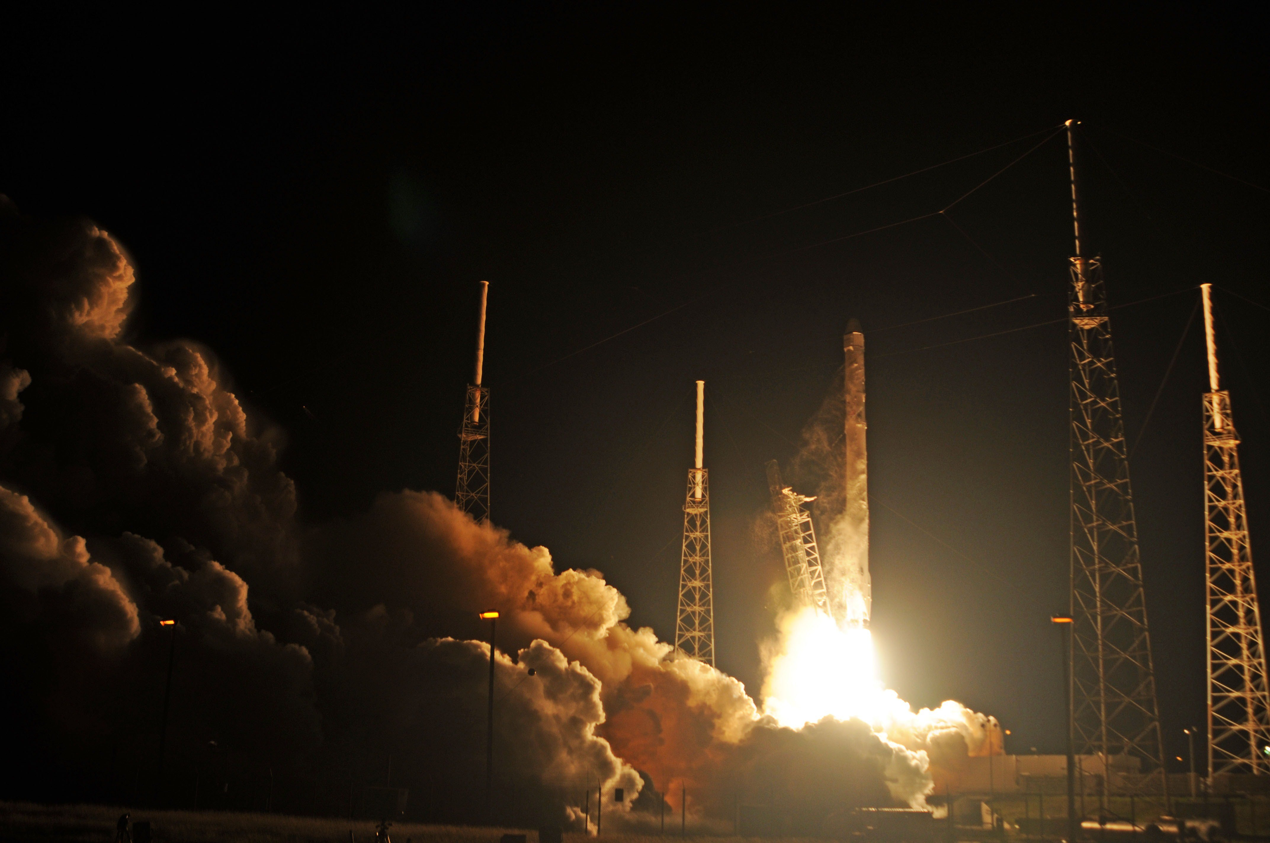 TOPSHOTS                     Space X's Falcon 9 rocket launches on Jan. 10, 2015 as it heads to space from pad 40 at Cape Canaveral, Florida.