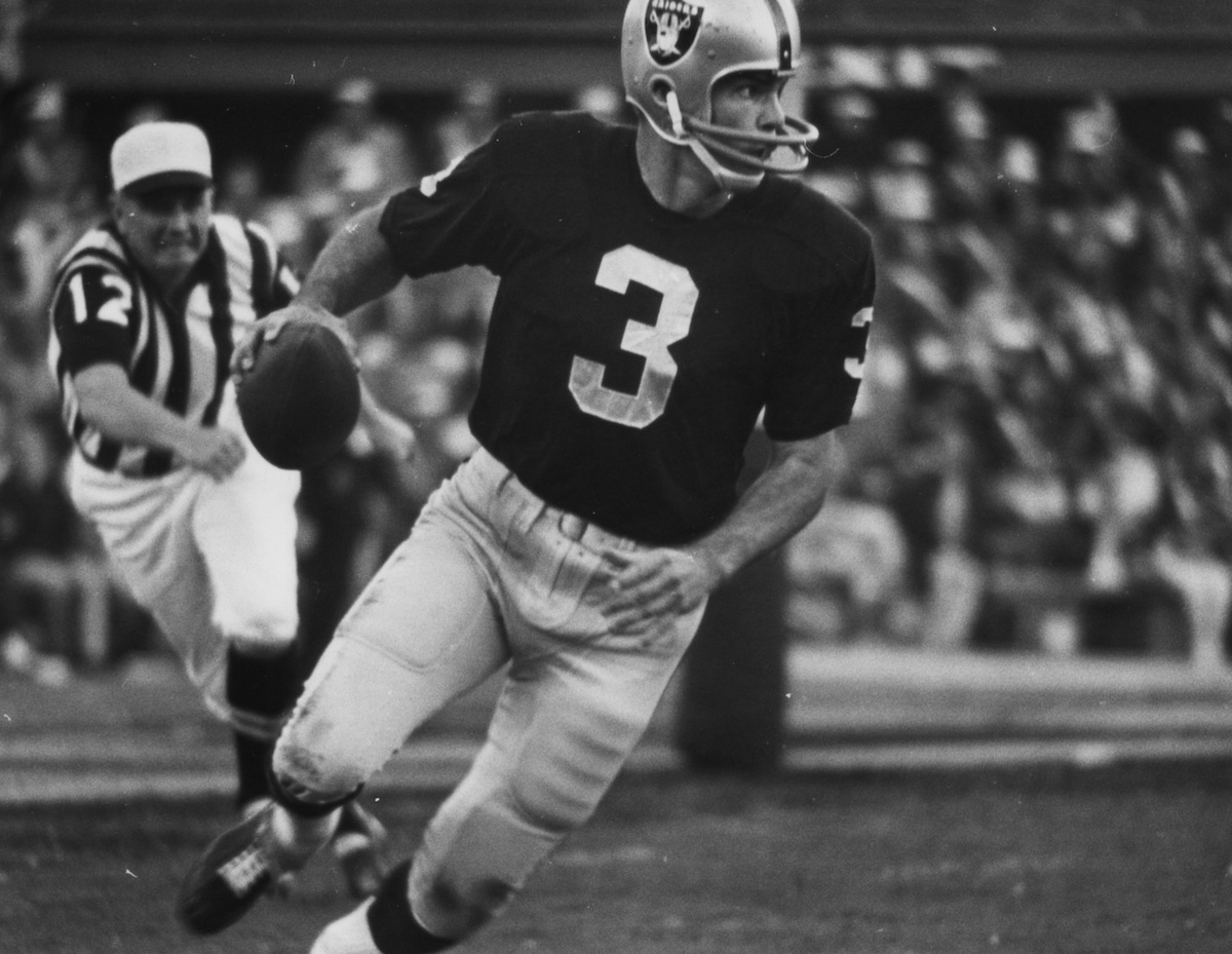 Oakland Raiders quarterback Daryle Lamonica (3) rolls out of the pocket during Super Bowl II, a 33-14 loss to the Green Bay Packers on Jan. 14, 1968, at the Orange Bowl in Miami, Fla.