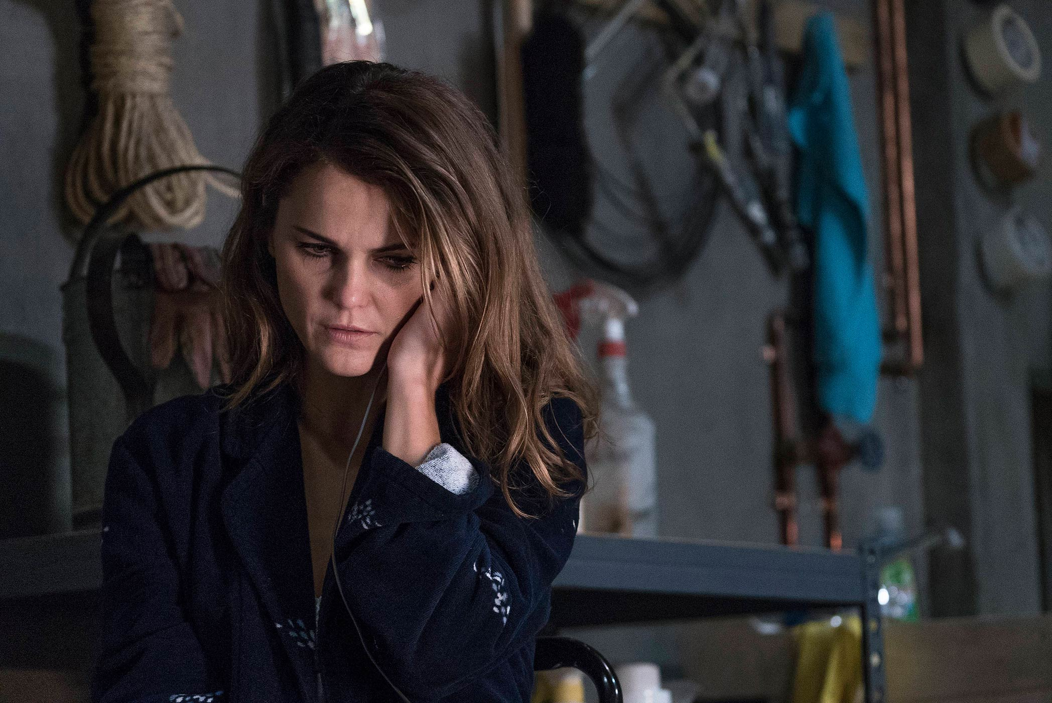Keri Russell stars as Elizabeth Jennings in The Americans