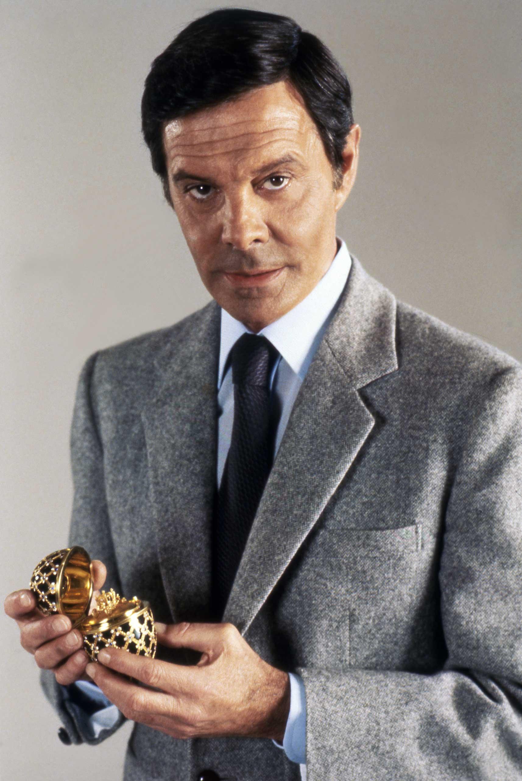 Louis Jourdan on the set of Octopussy.