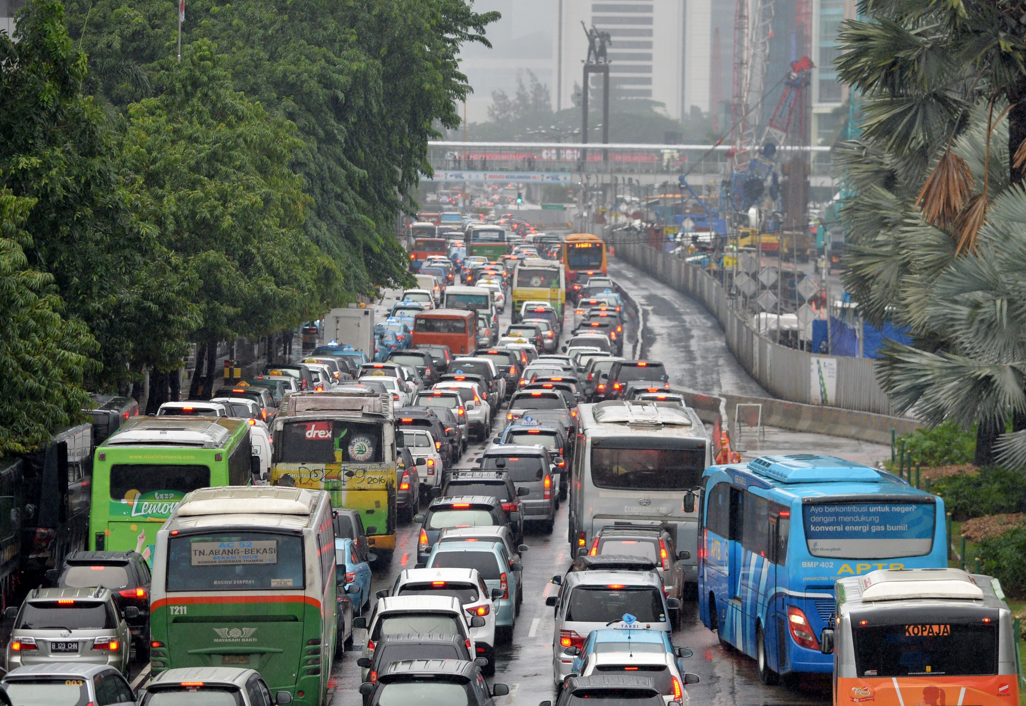 This picture taken on January 20, 2015 shows a gridlock in Jakarta's main road. Jakarta has just won the distinction of having the worlds worst traffic, according to a recent index.