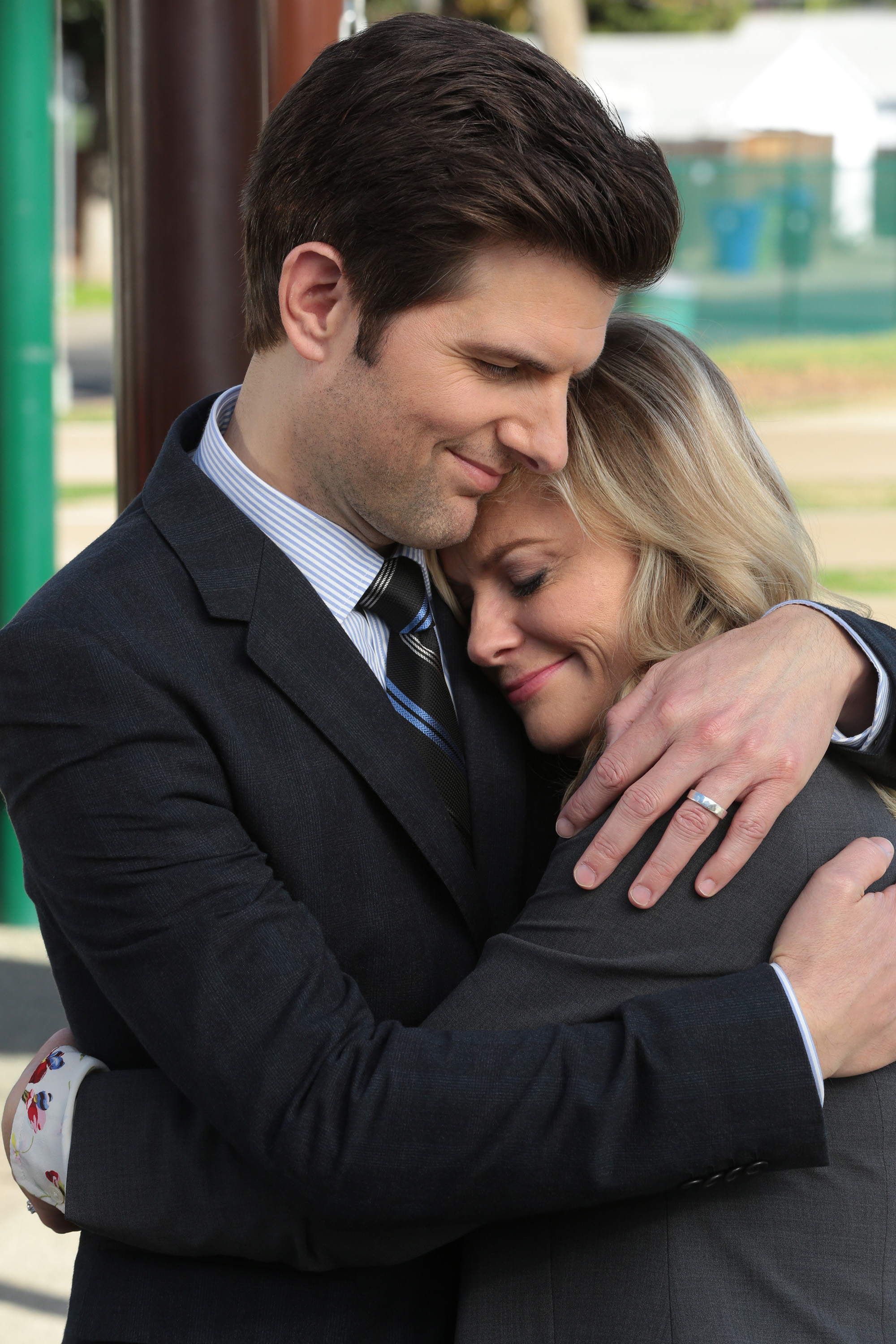 (l-r) Adam Scott as Ben Wyatt, Amy Poehler as Leslie Knope on Parks and Recreation