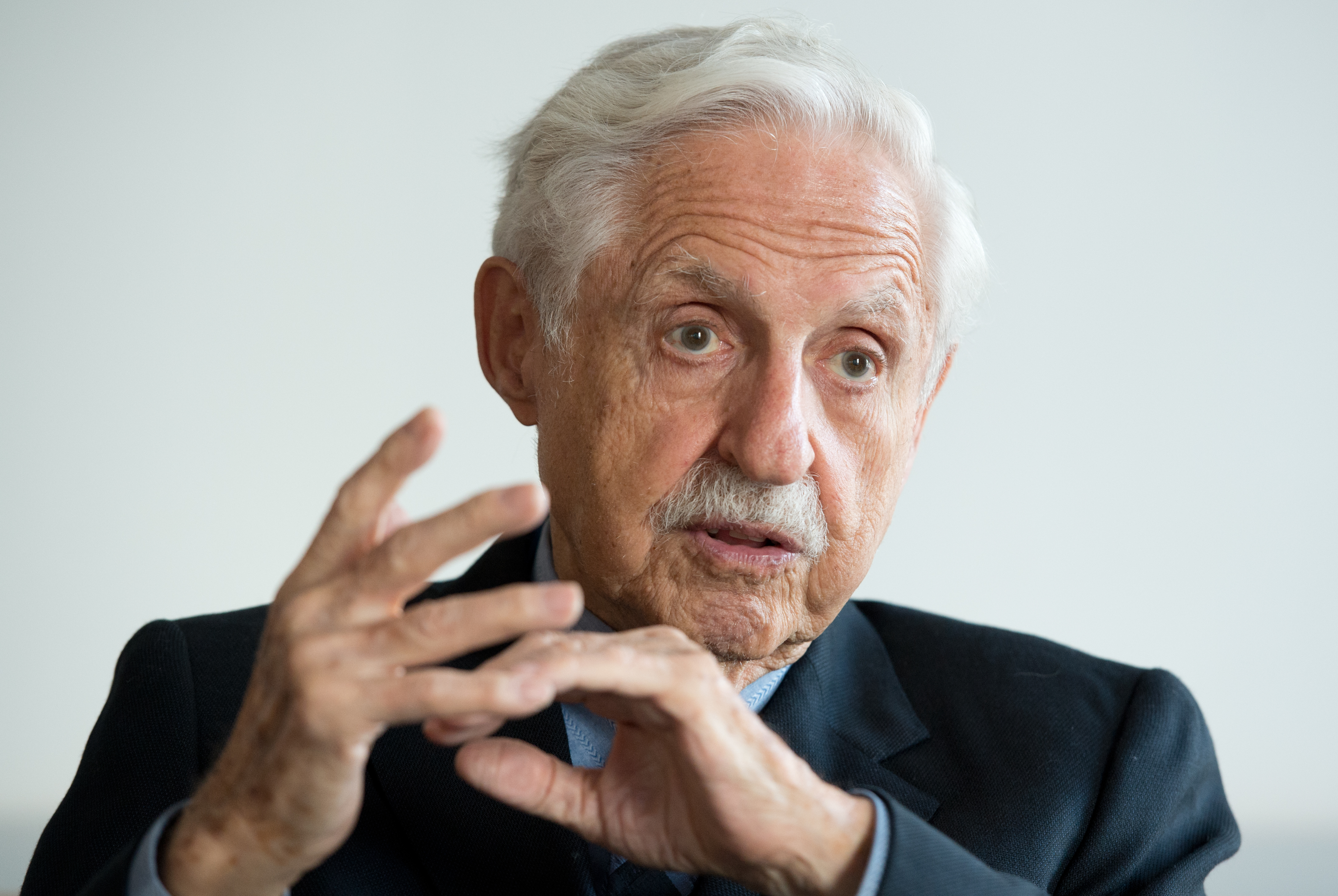 Scientist and patron of the arts Carl Djerassi sits during an interview with the DPA German Press Agency at the university in Frankfurt Main, Germany, 29 October 2013.