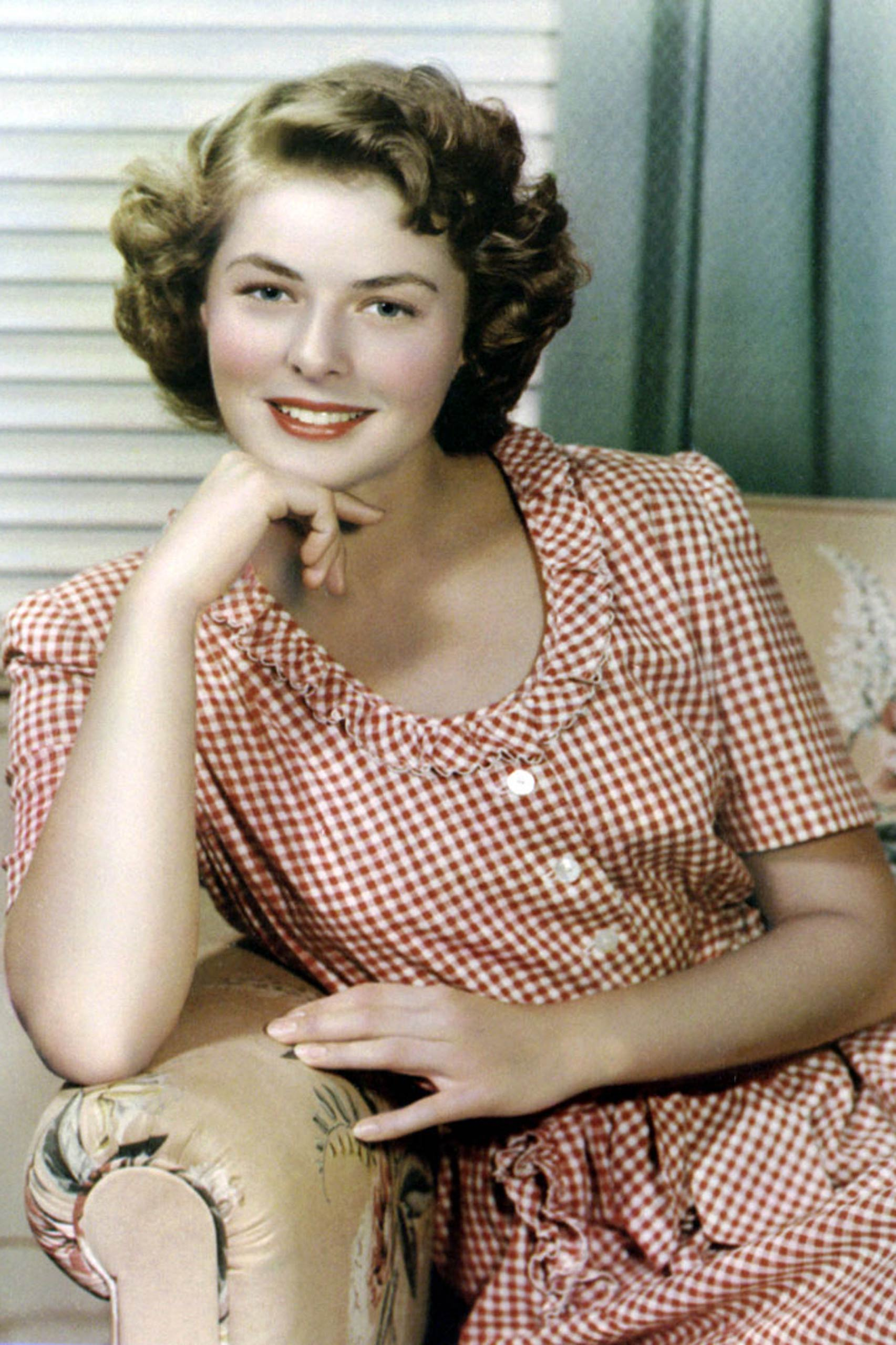 <strong>1945: Ingrid Bergman - <i>Gaslight</i>                                   1957: Ingrid Bergman - <i>Anastasia</i></strong>