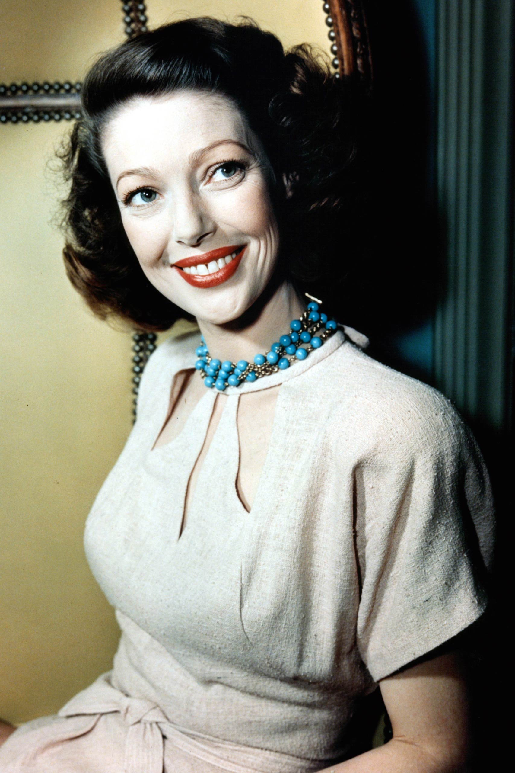 <strong>1948: Loretta Young - <i>The Farmer's Daughter</i></strong>