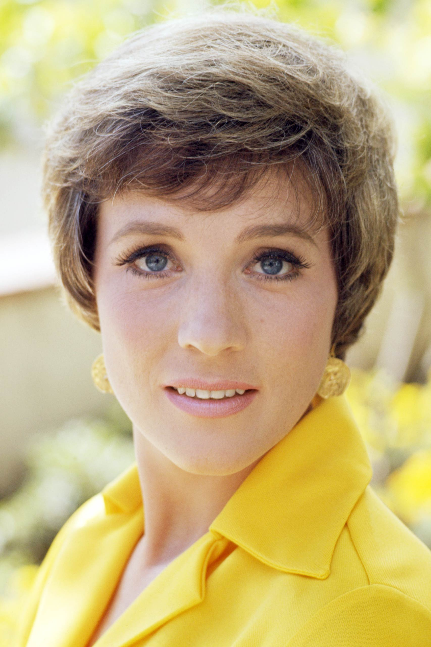 <strong>1965: Julie Andrews - <i>Mary Poppins</i></strong>