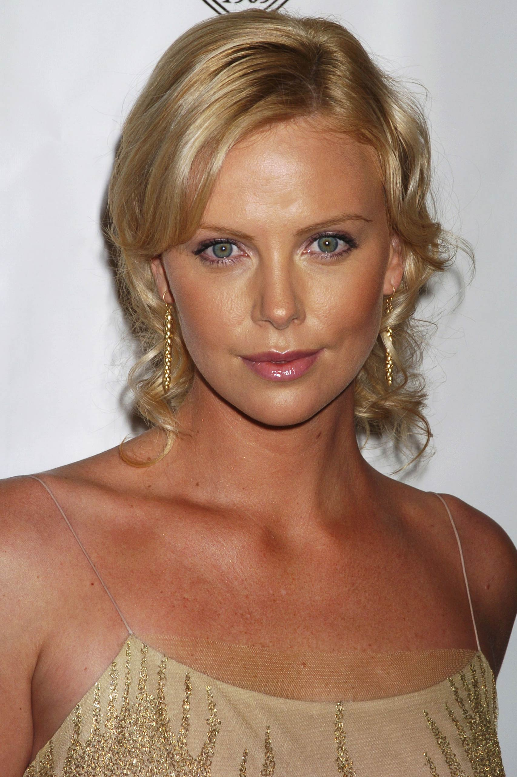 <strong>2004: Charlize Theron - <i>Monster</i></strong>