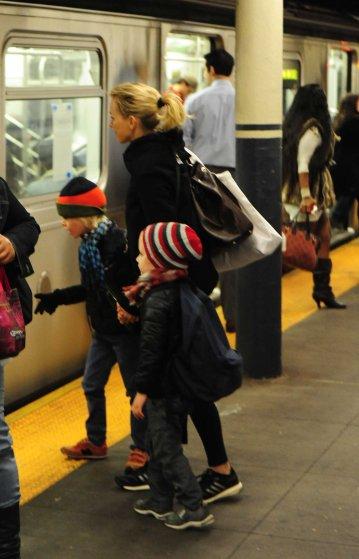 Naomi Watts takes the New York Subway with Alexander Schreiber and Samuel Schreiber on their way to school