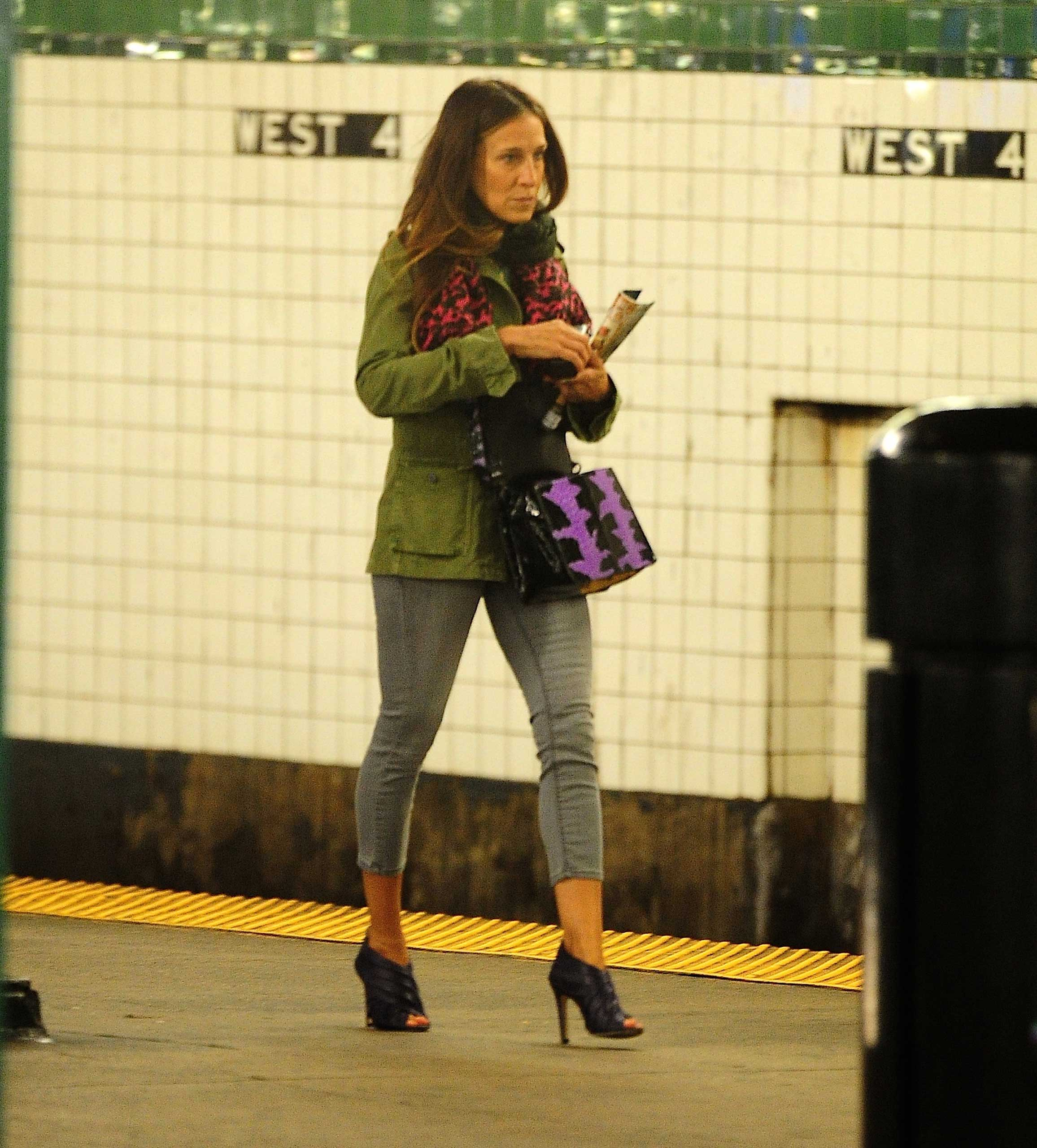 Sarah Jessica Parker takes the subway in New York City on April 9, 2014.